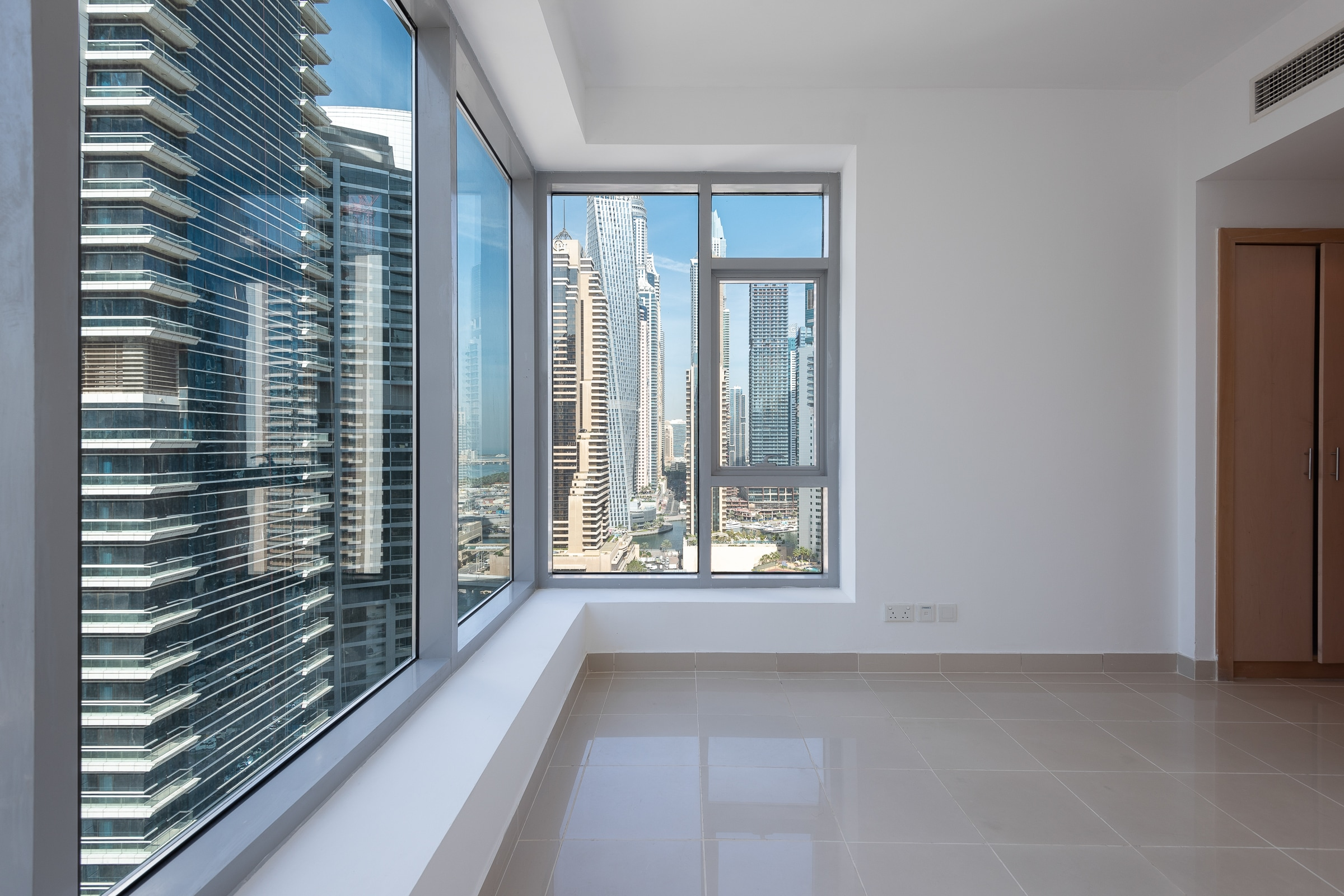 Bright and Spacious 1 Bed | Great Views