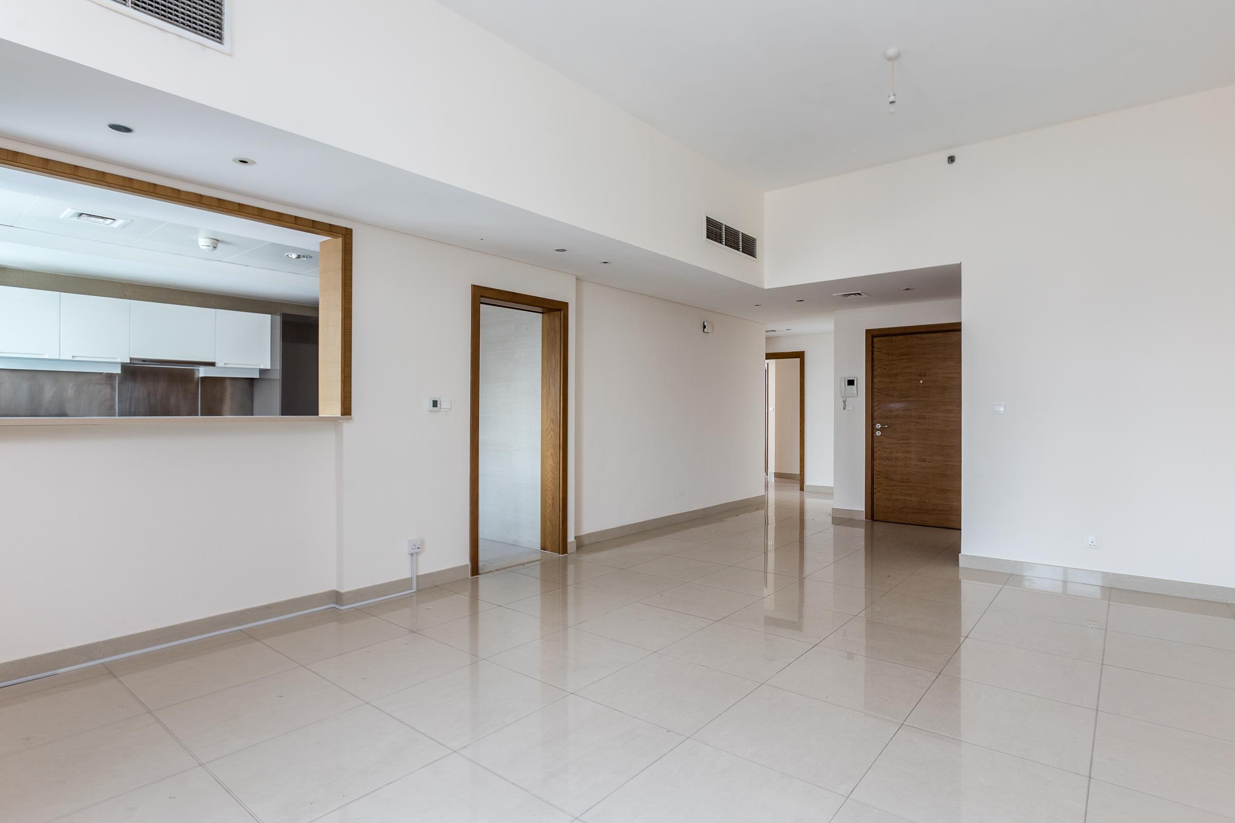 Large Layout   Bright Unit   High Floor.