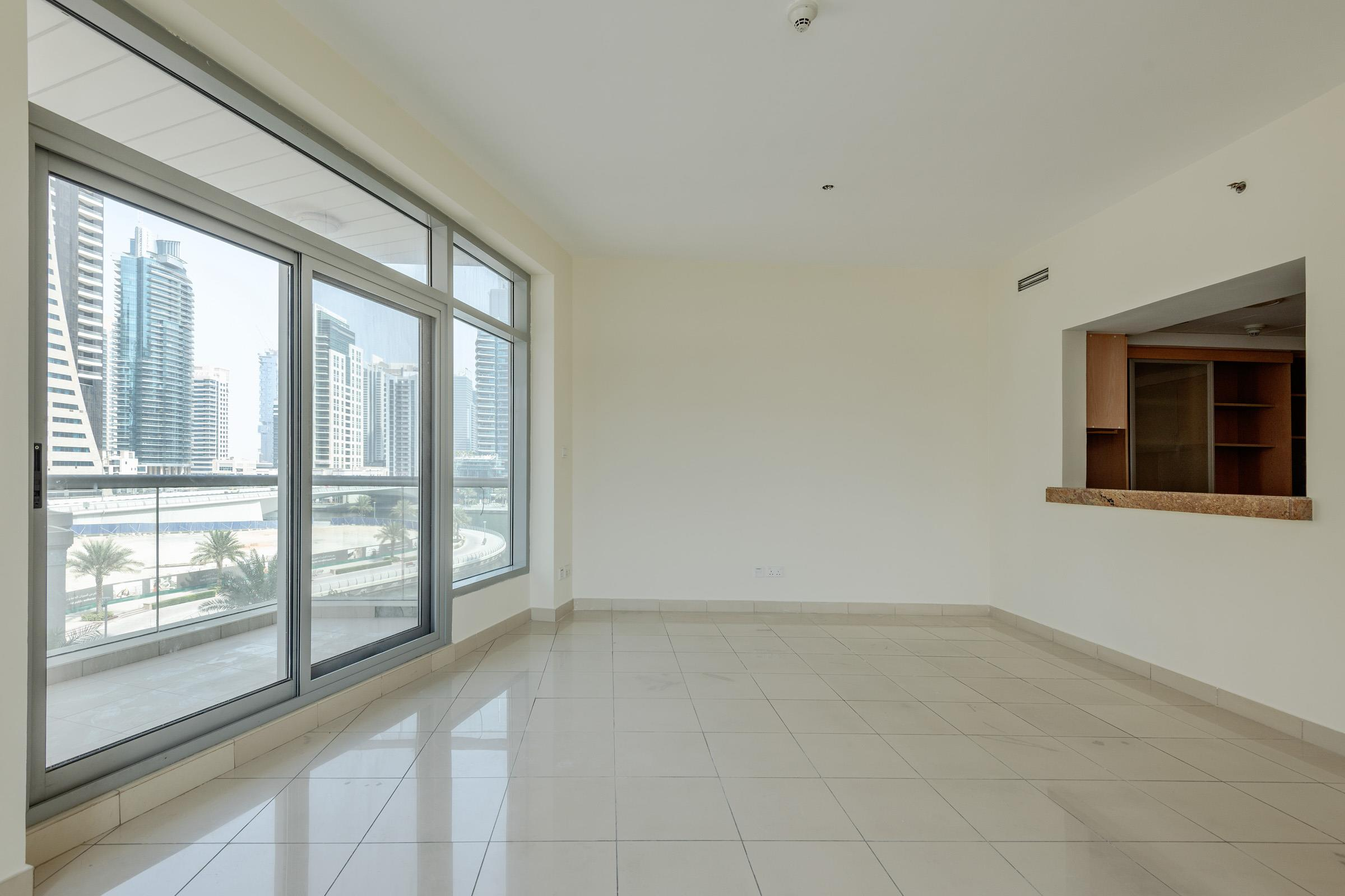 Bright One bedroom Unit I Great Deal