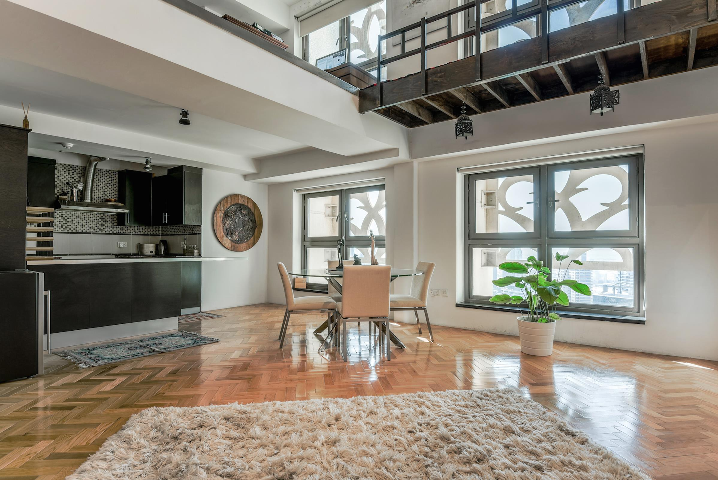 One Bedroom Duplex with Marina View