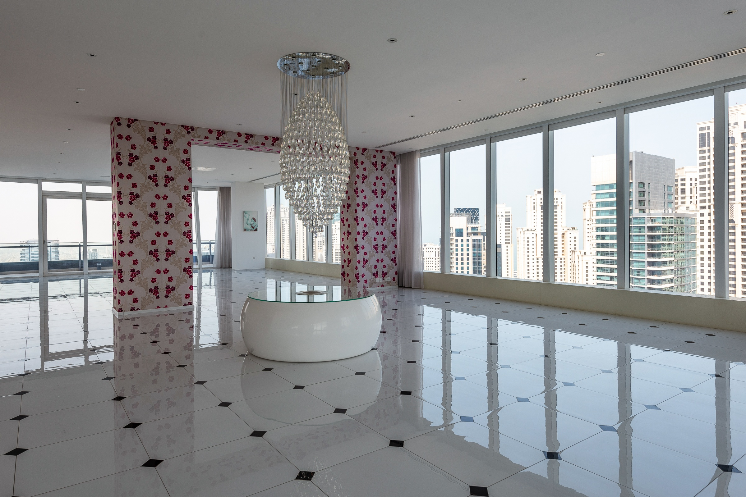 Bespoke Penthouse with Panoramic Views in Dubai Marina