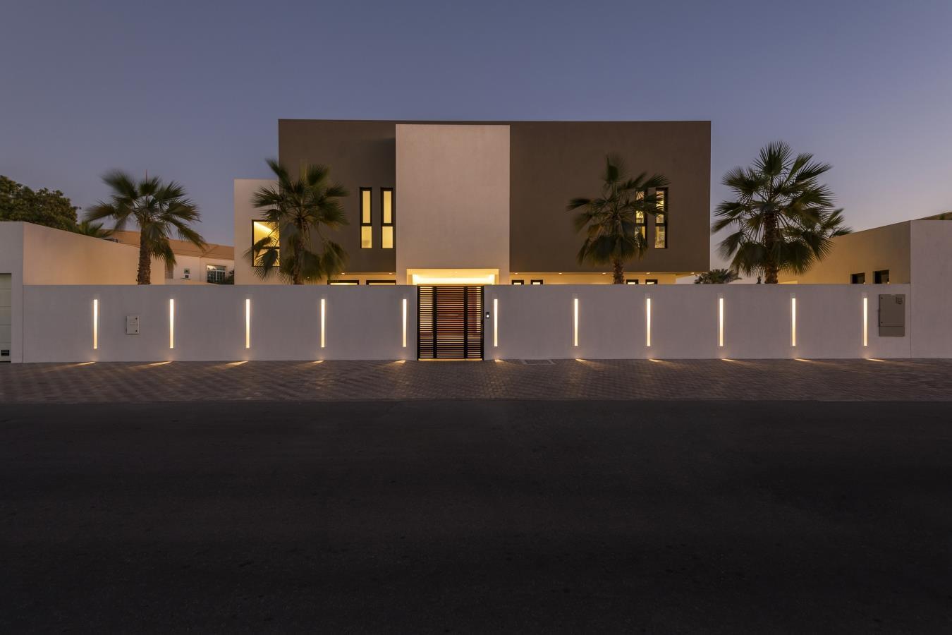 Brand New vacant 5/6 Bed Luxury Villa