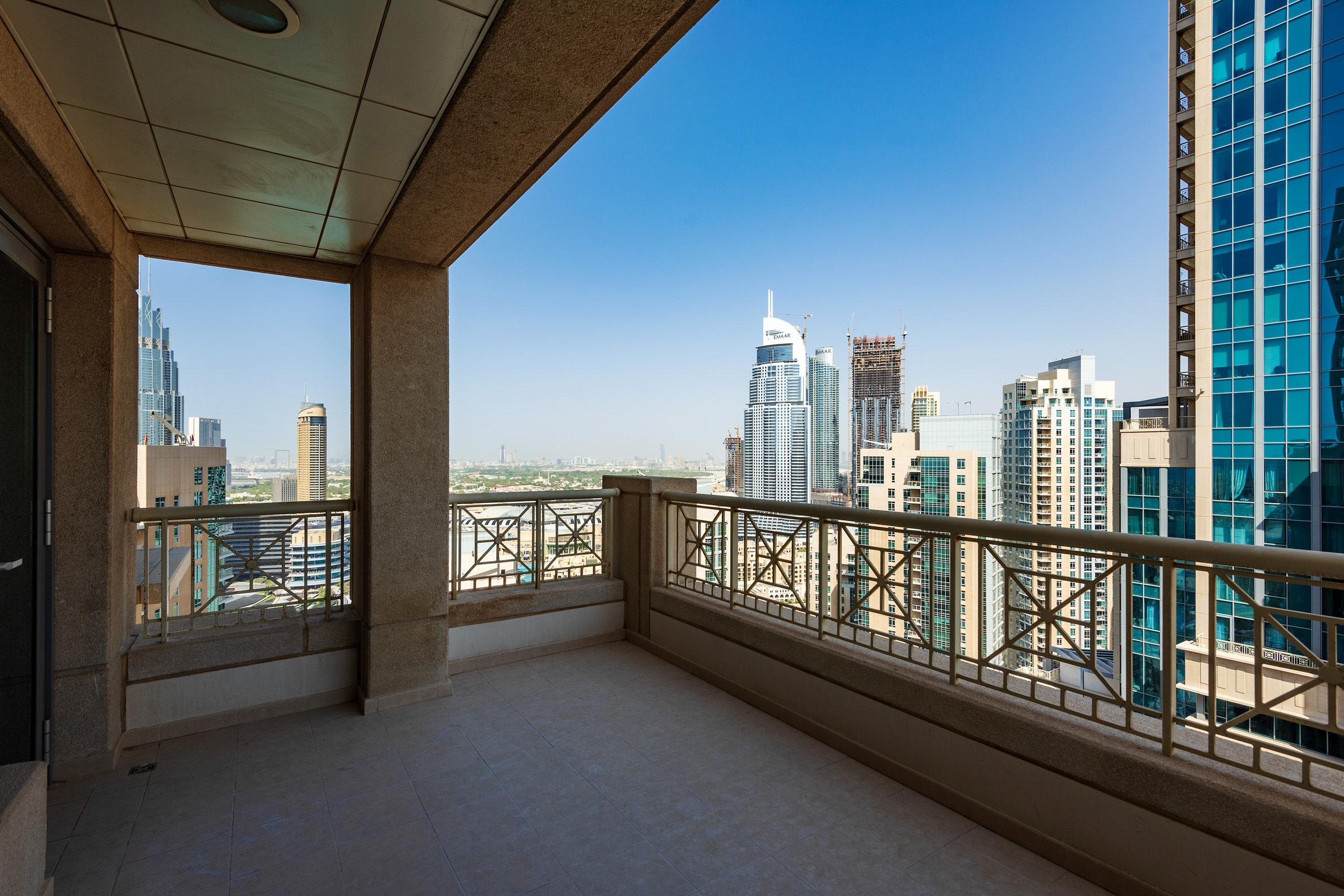 Khalifa and Fountain Views   Big Terrace