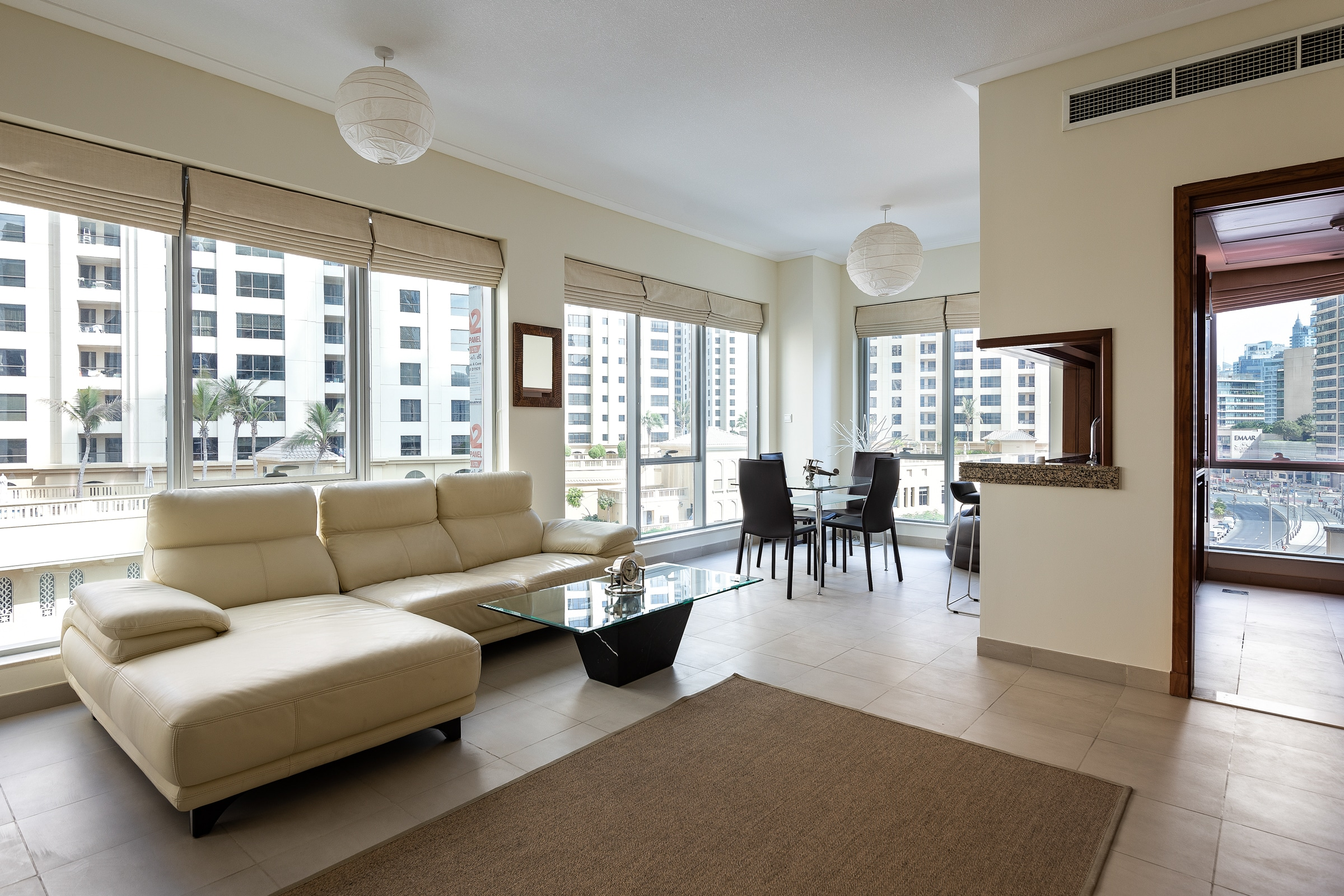 Stunning 1 Bed Apartment with Marina View