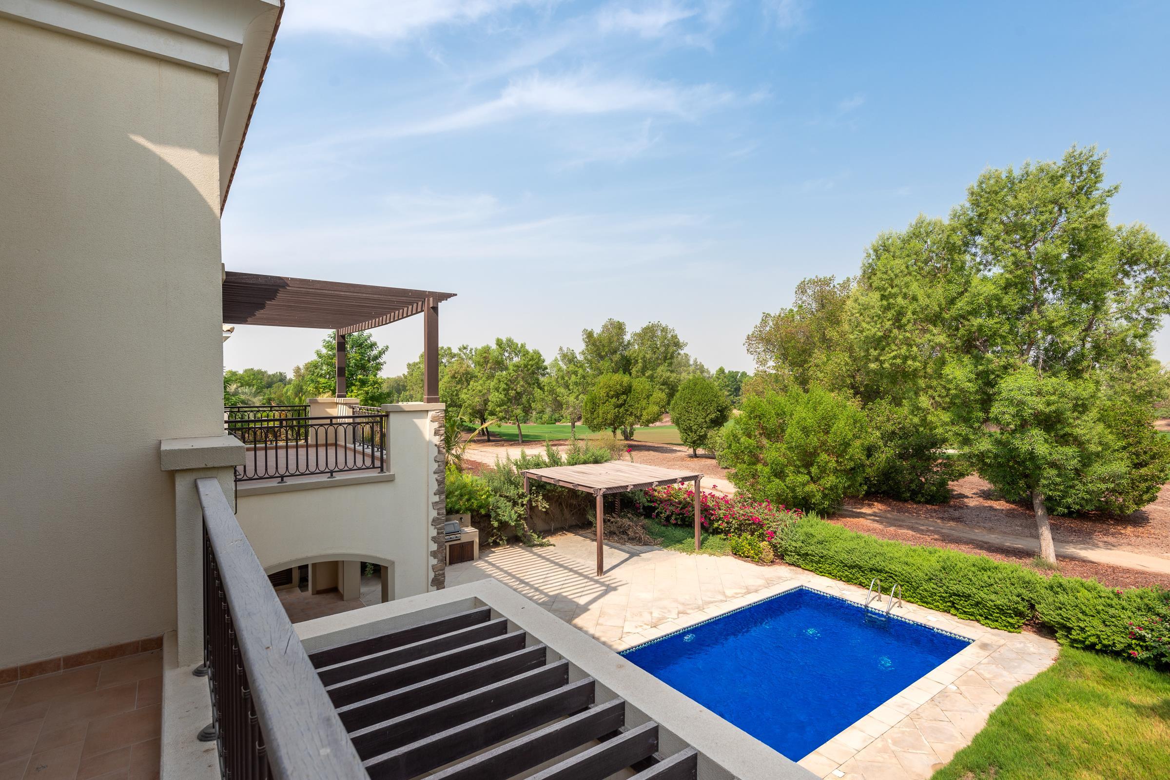 Vacant 5 Bed Valencia Villa on Golf Course