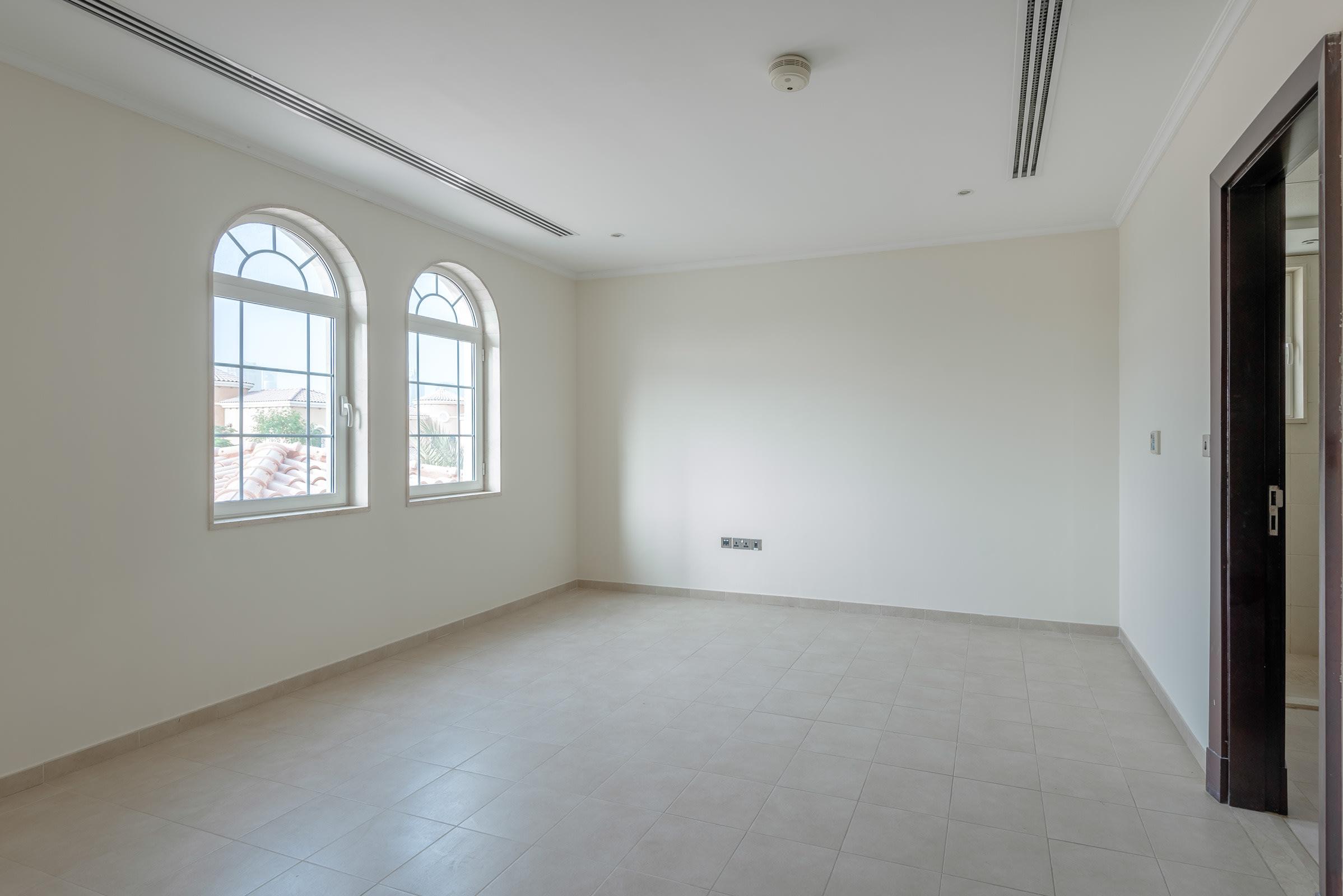 Immaculate 4 Bedroom Legacy Corner Plot