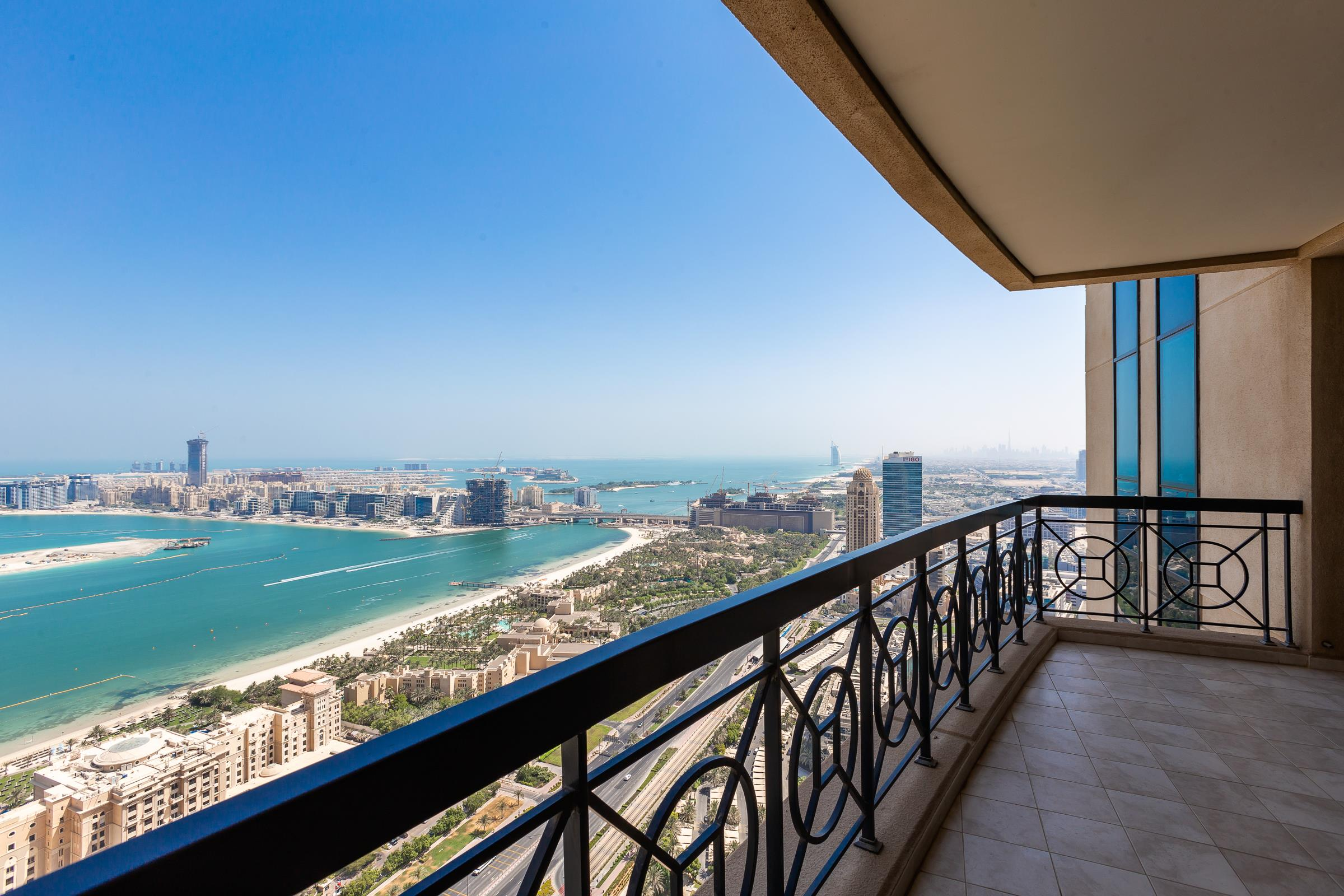 Elegant Penthouse with Palm Jumeirah View