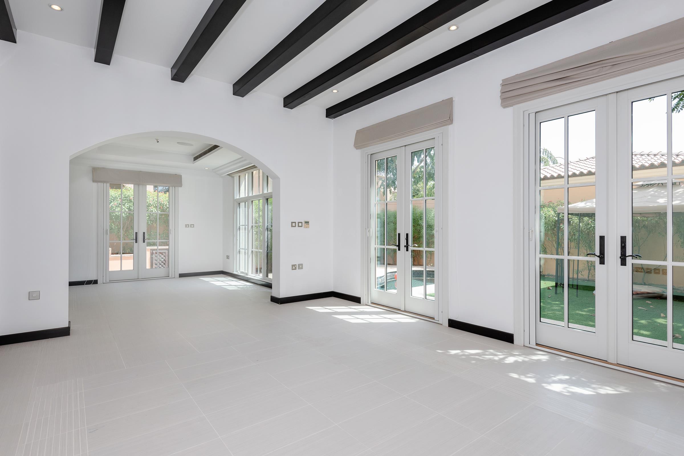 Vacant 3 Bedroom plus Muirfield Villa