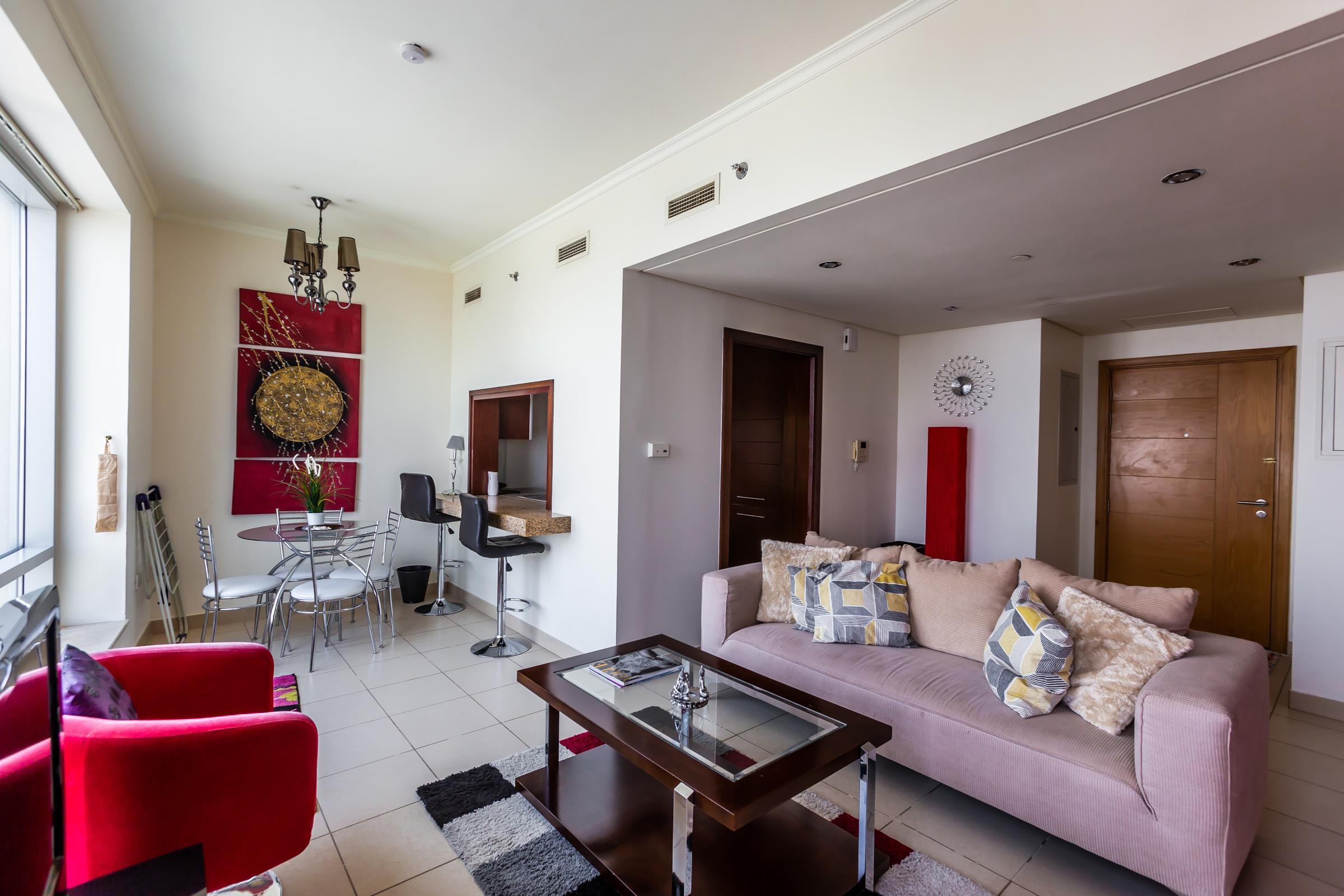 Beautiful One Bedroom Apt in Burj Views