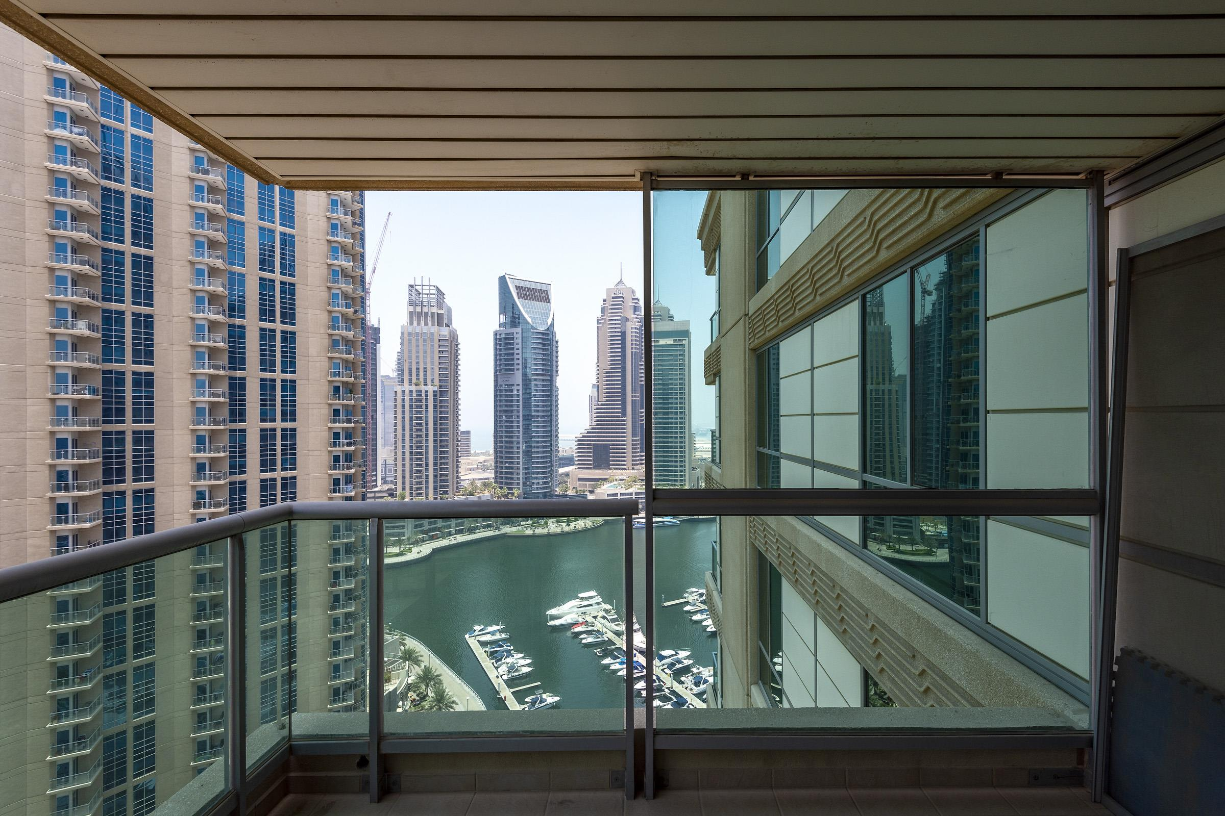 Beautiful 2 bed apartment with Marina View