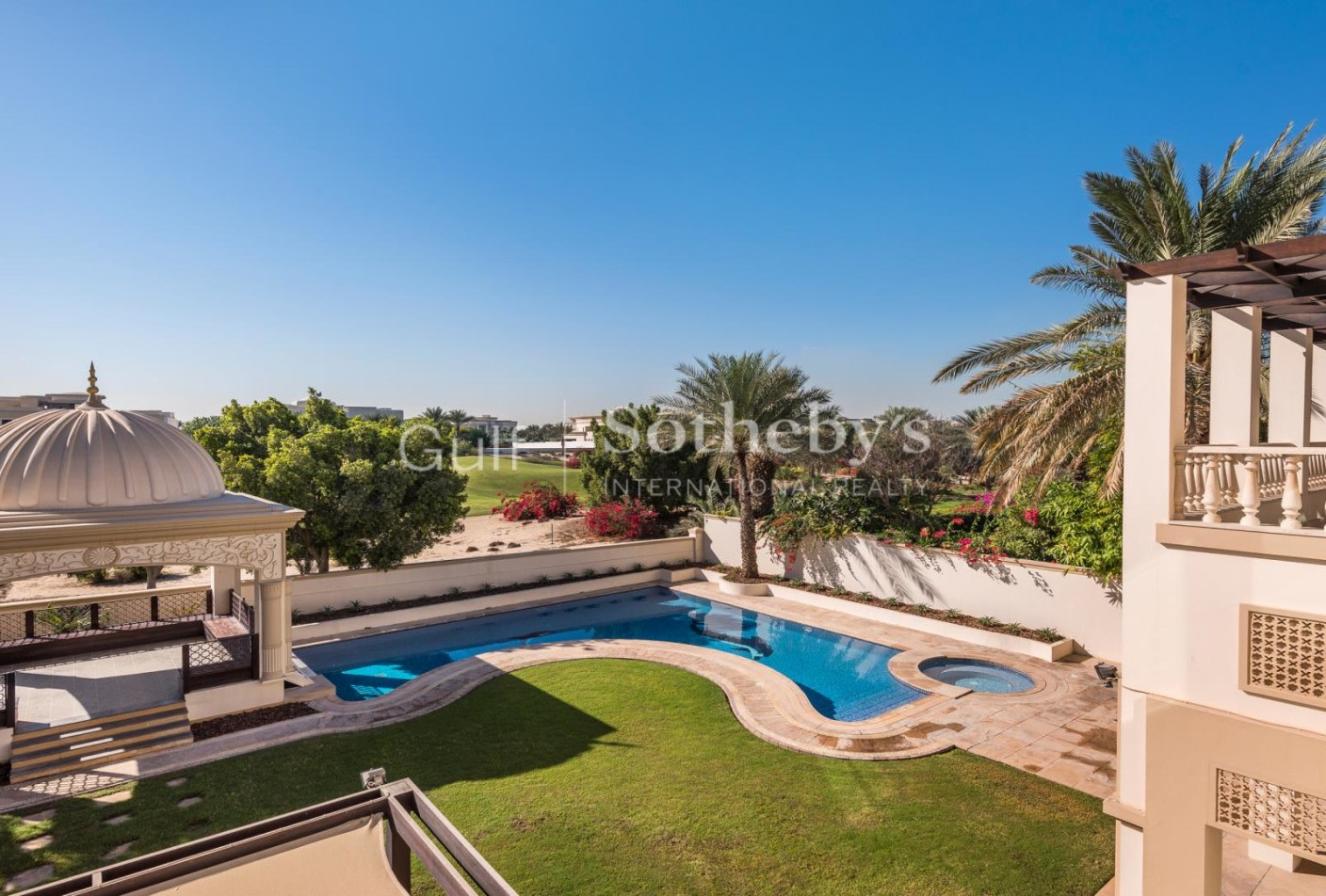 Upgraded 6 Bed Golf Course View | Vacant