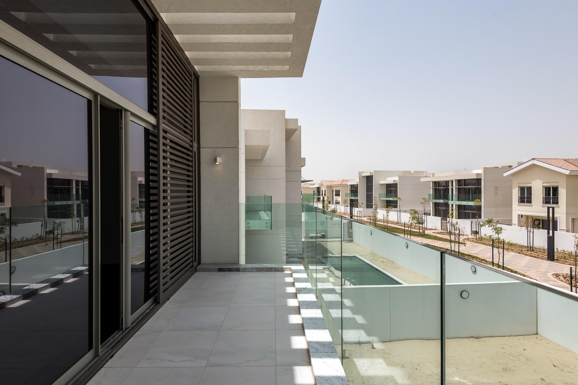 Contemporary 5Bedroom Villa District One