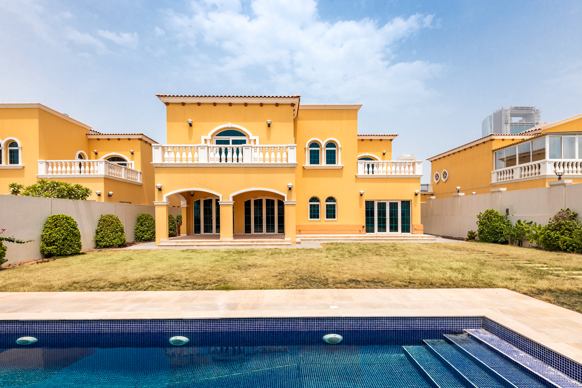 Immaculate 5 Bed with Pool Available Now