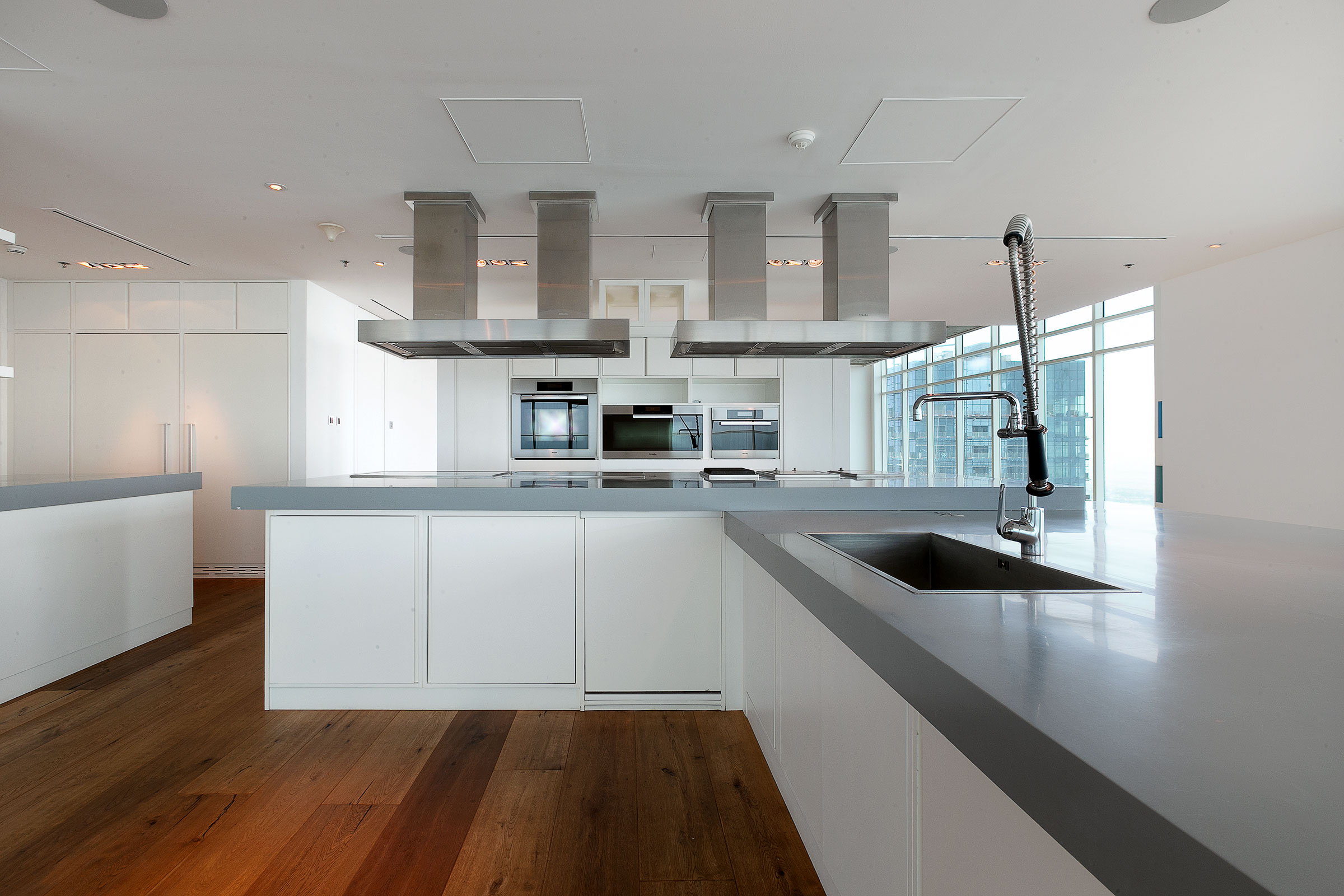 Contemporary Lifestyle Living in the Sky