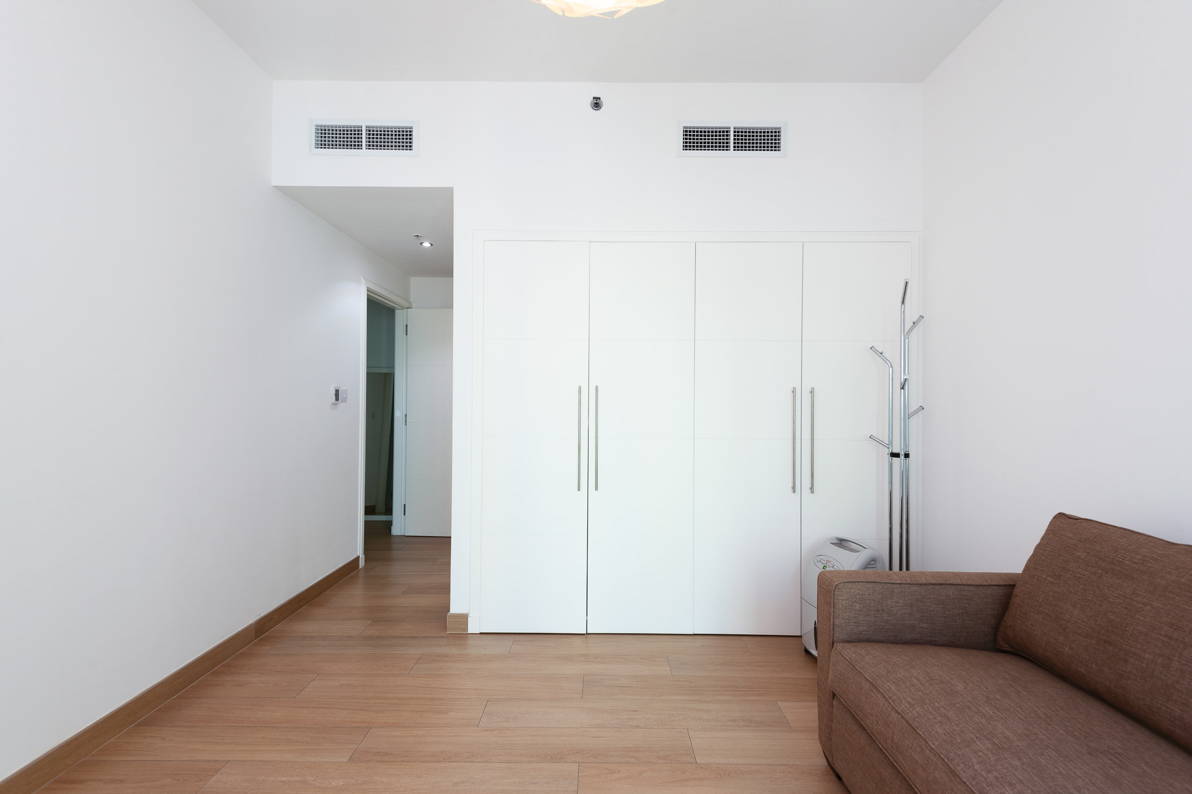 FULLY UPGRADED   3 Bedroom   Vacant Upon Transfer