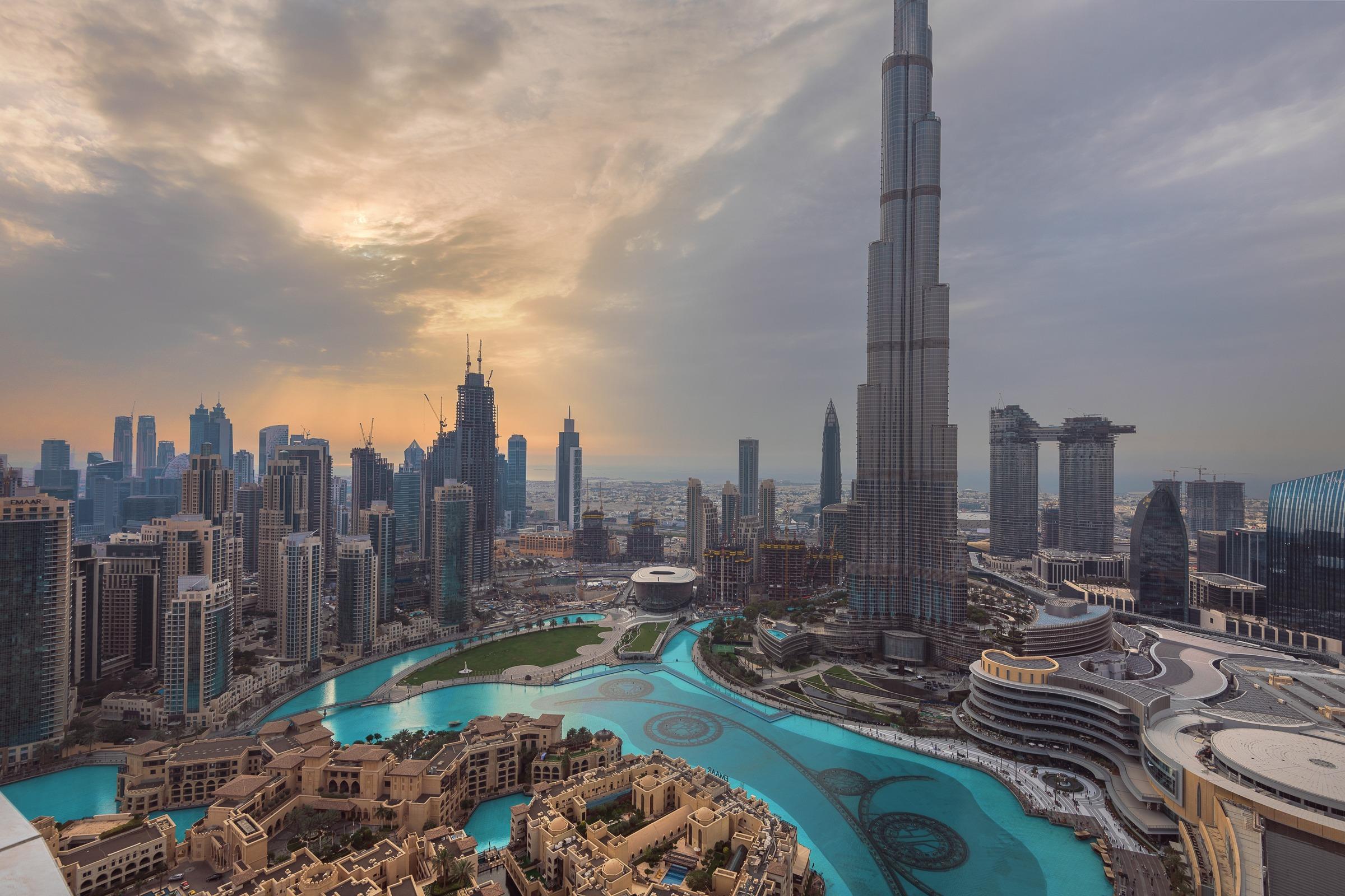 High Floor Fountain and Khalifa View Corner unit
