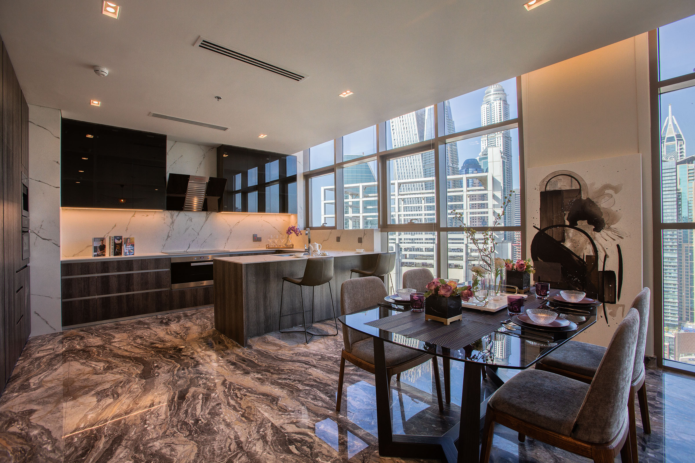 Stunning Marina Penthouse | Skyline Views