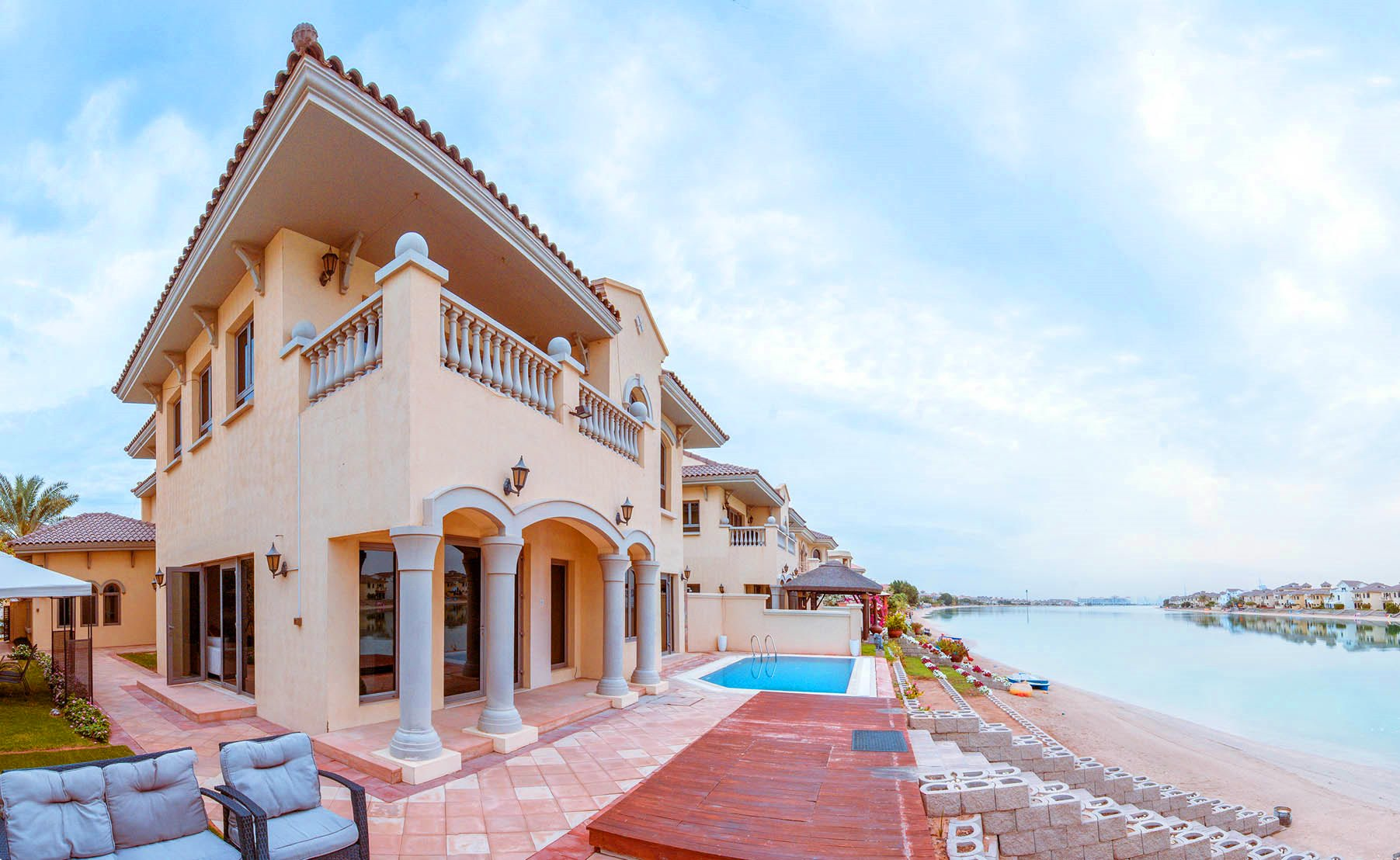 Fully Furnished | Grand Foyer Villa | Two parkings