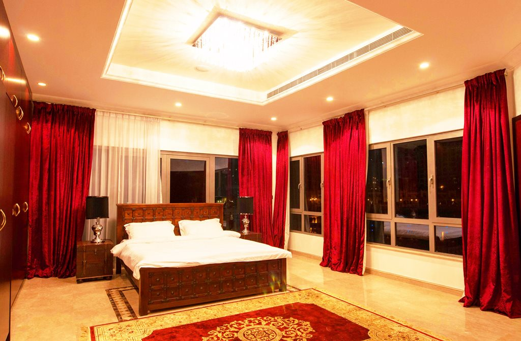 Furnished 5BR Signature villa Yachts view