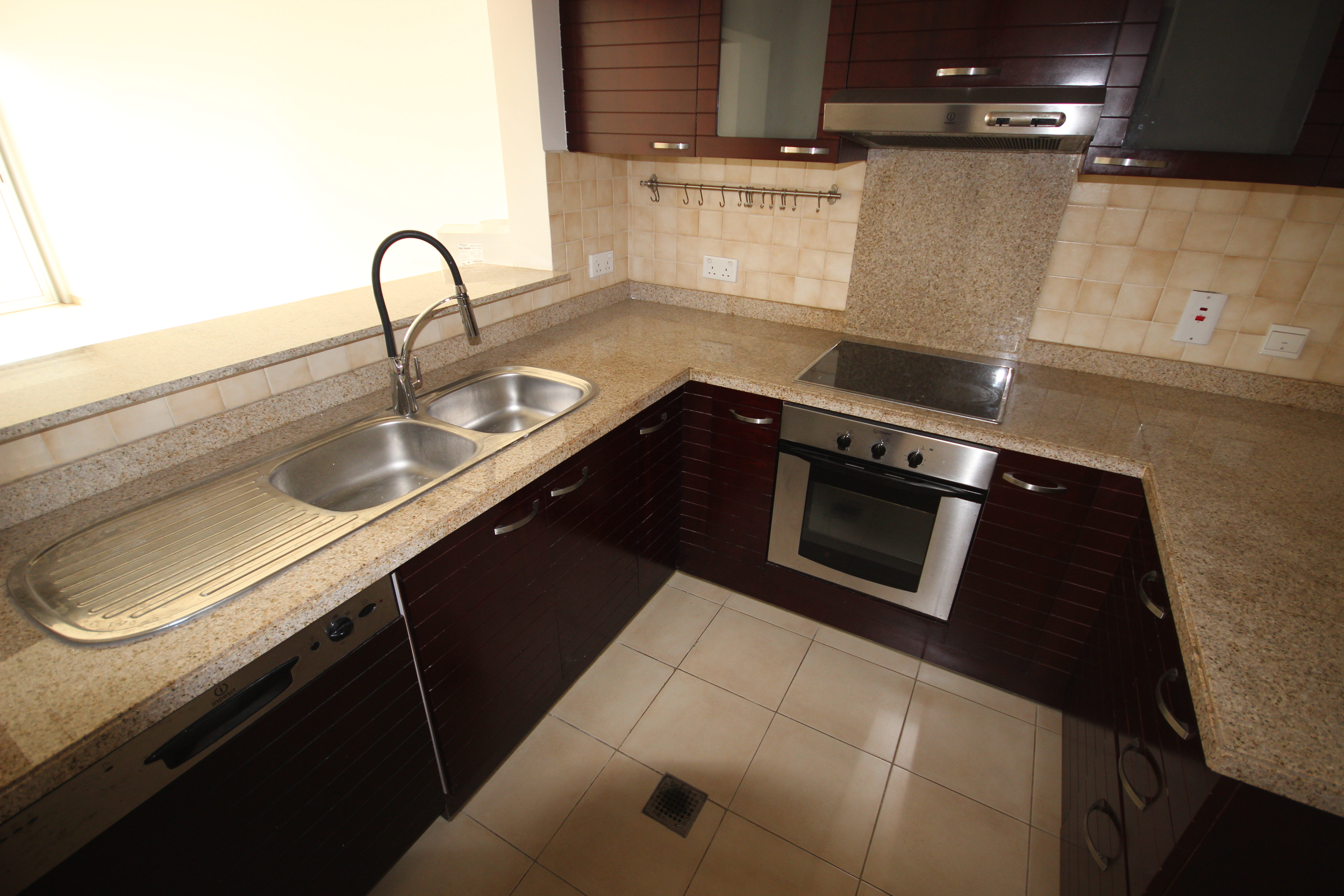 Bright One Bedroom Sea View in Marina Tower