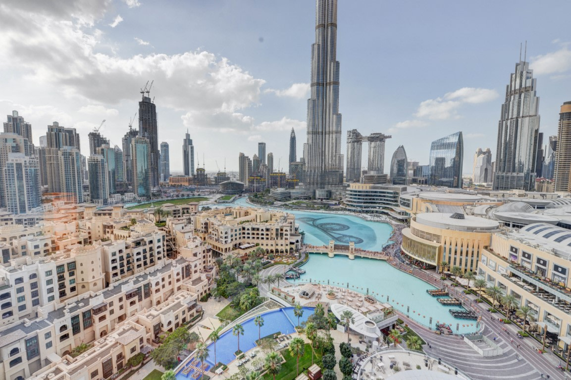 Famous Fountain and Burj Khalifa Views