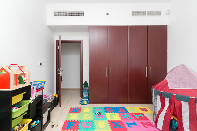 Amazing 3 Bedroom + Maids in Shams 1   Vacant