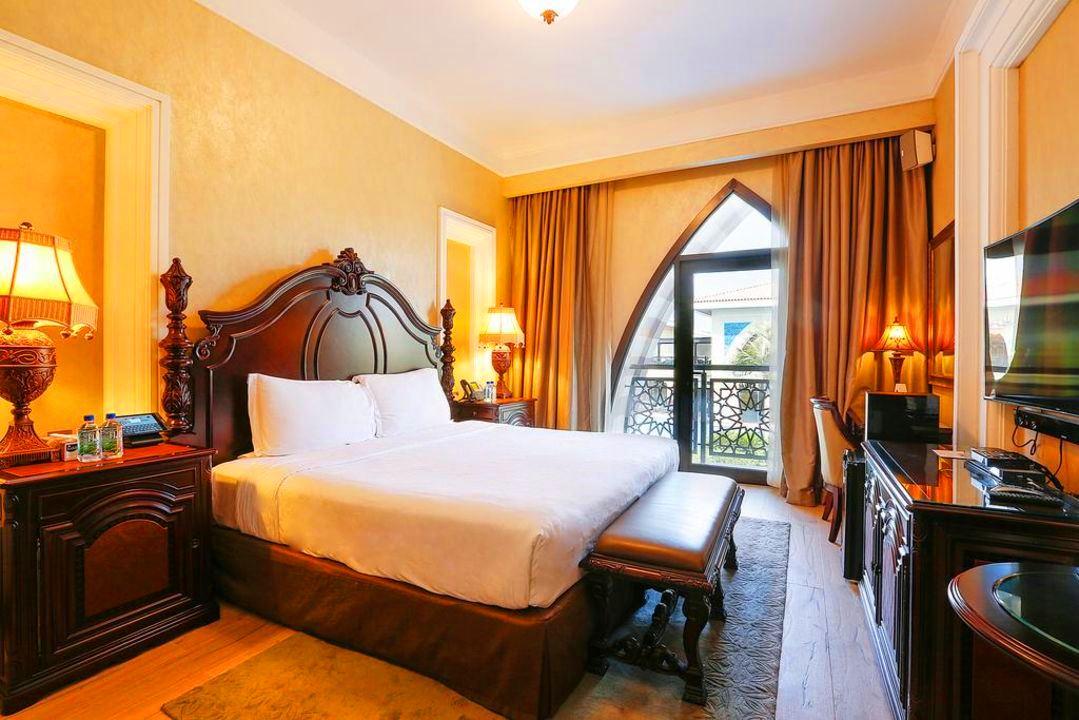 EXCLUSIVE | Beach Royal 5 Bedroom Residences Villa