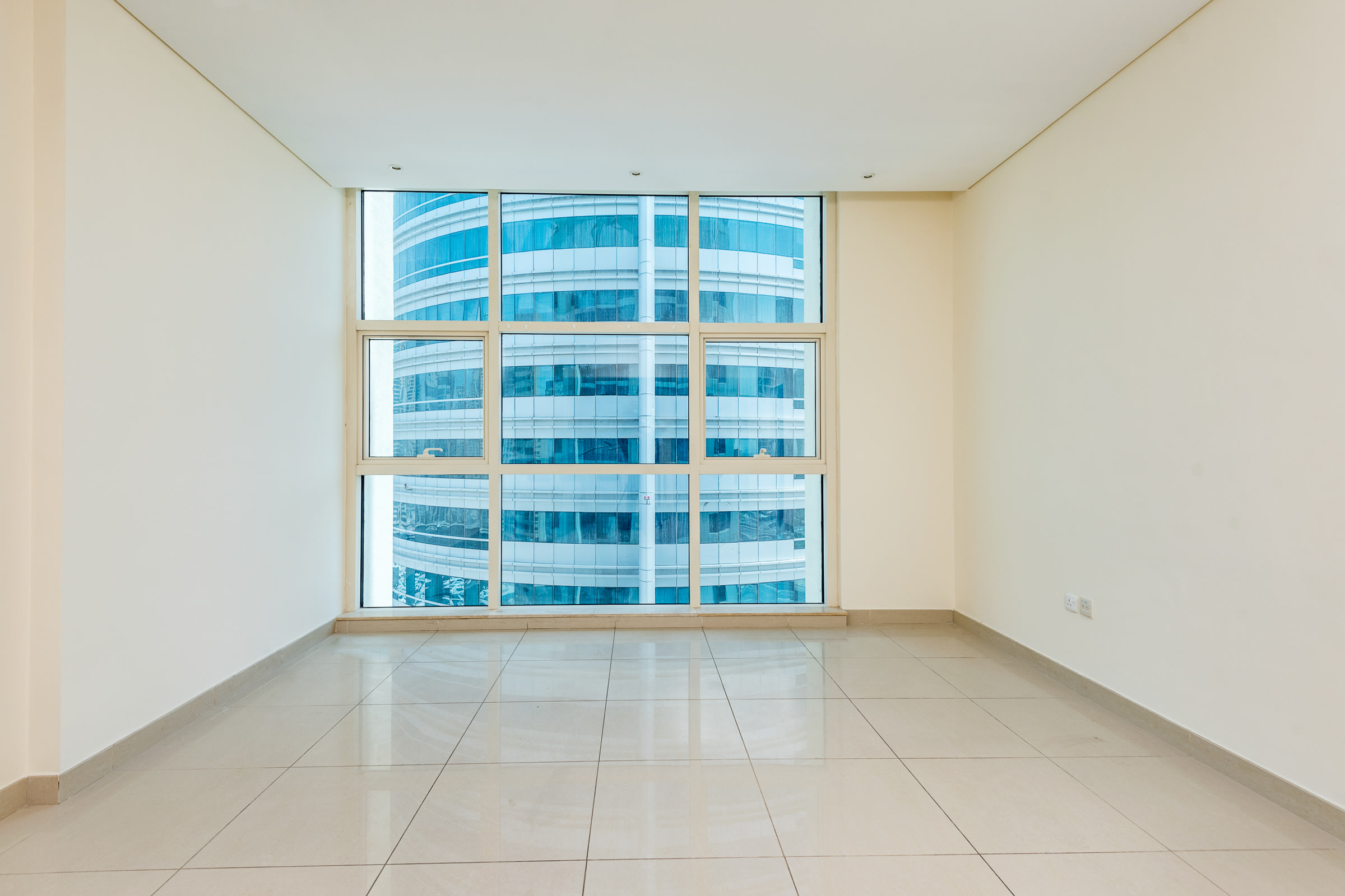 Metro Link | Vacant on Transfer | Spacious Layout