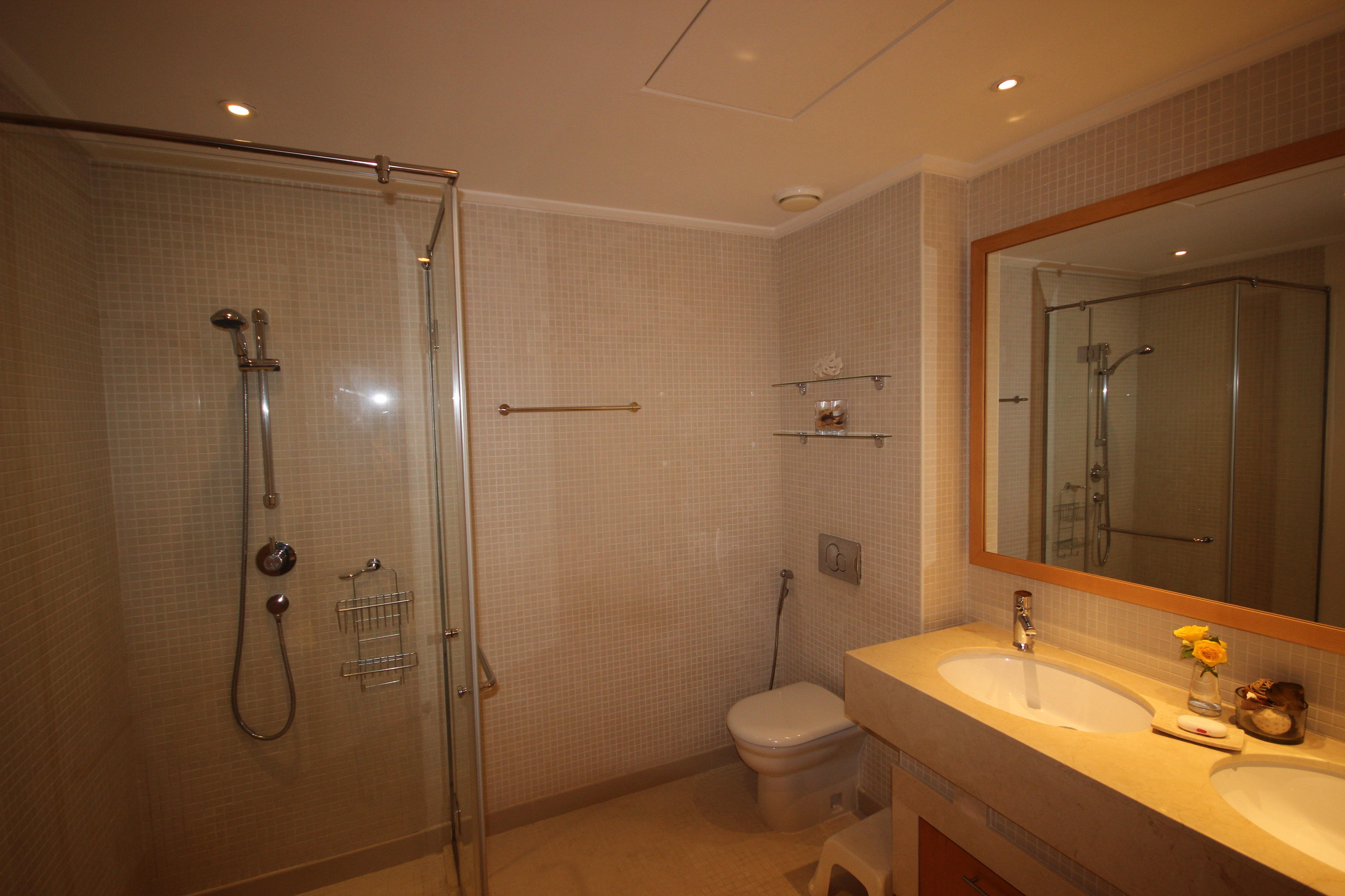Beautiful Two Bedroom in Shemara Marina View