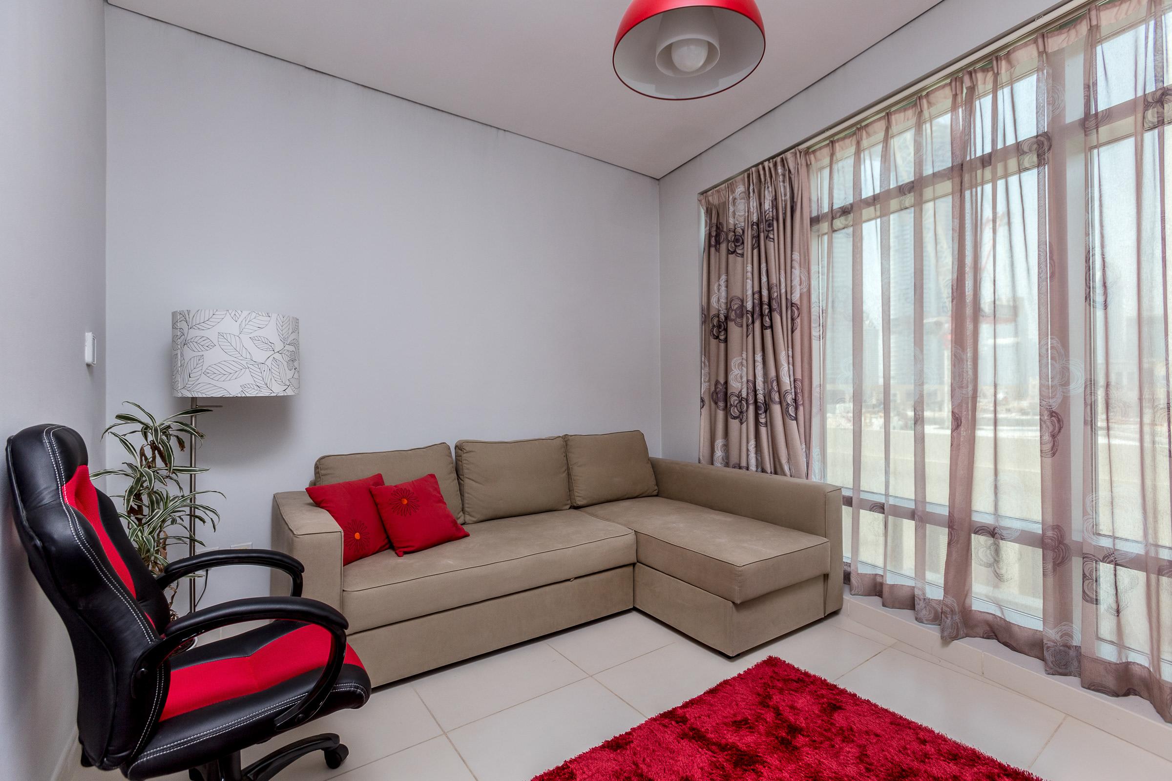 Huge 2 Bedroom Modern Finished FREE Chiller