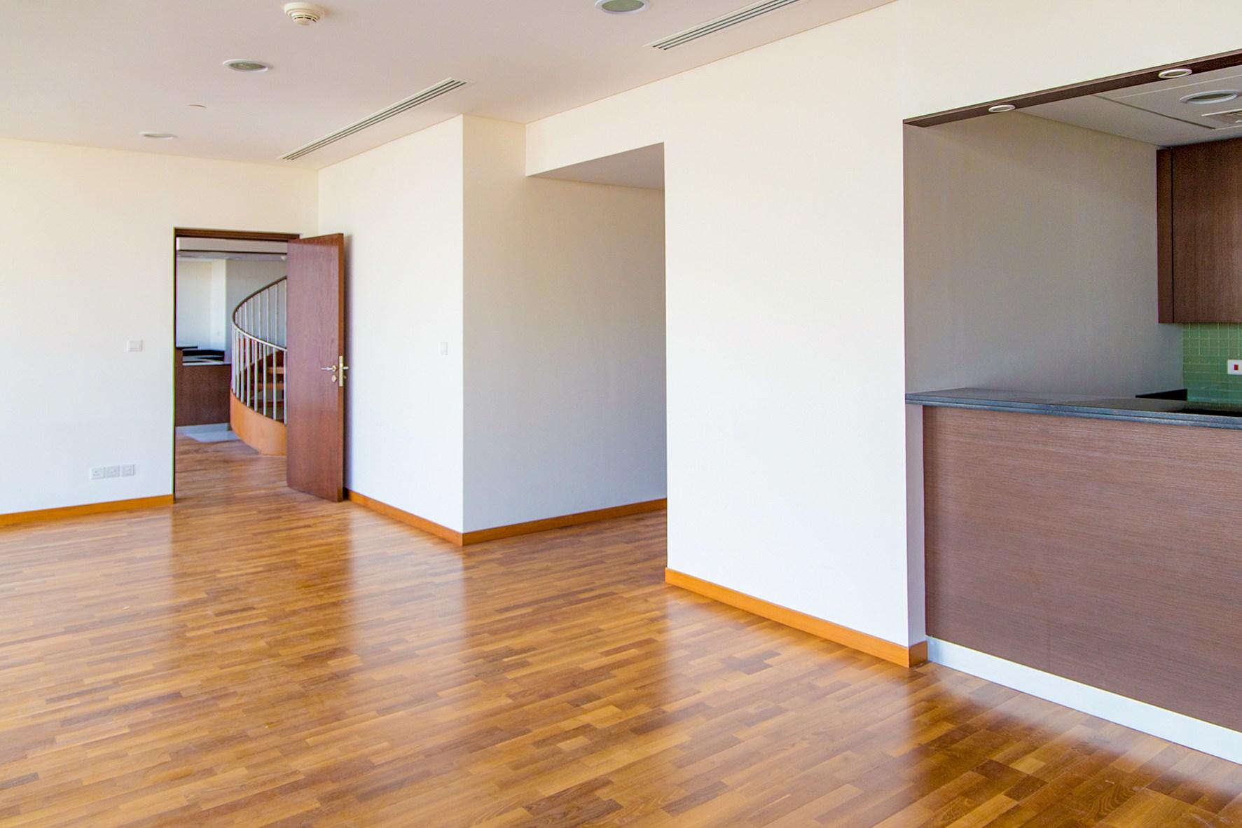 Zabeel Facing 2BR Duplex Apartment | Burj Daman