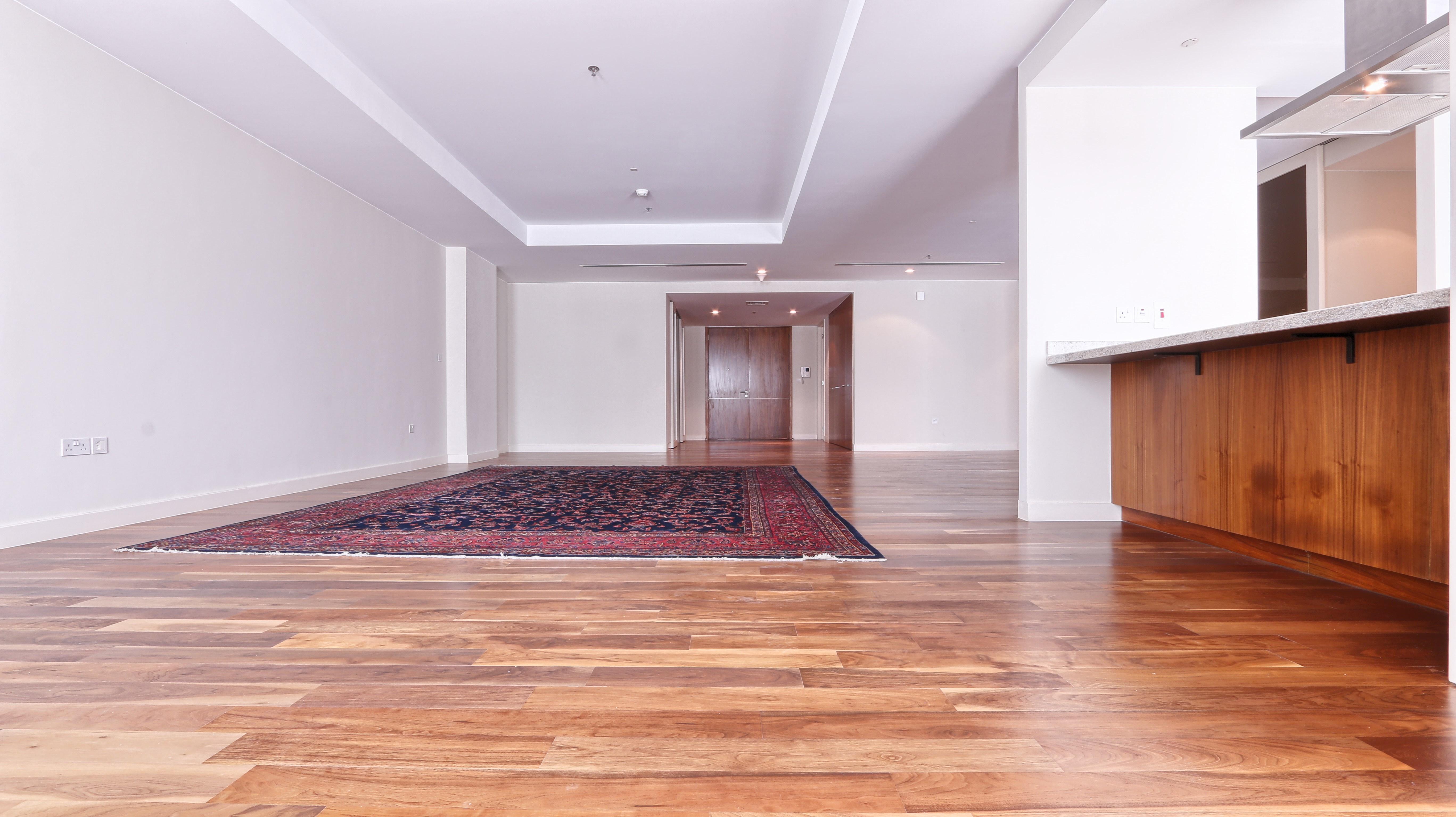 Mid Floor | Spacious 3BR | Wooden Floor