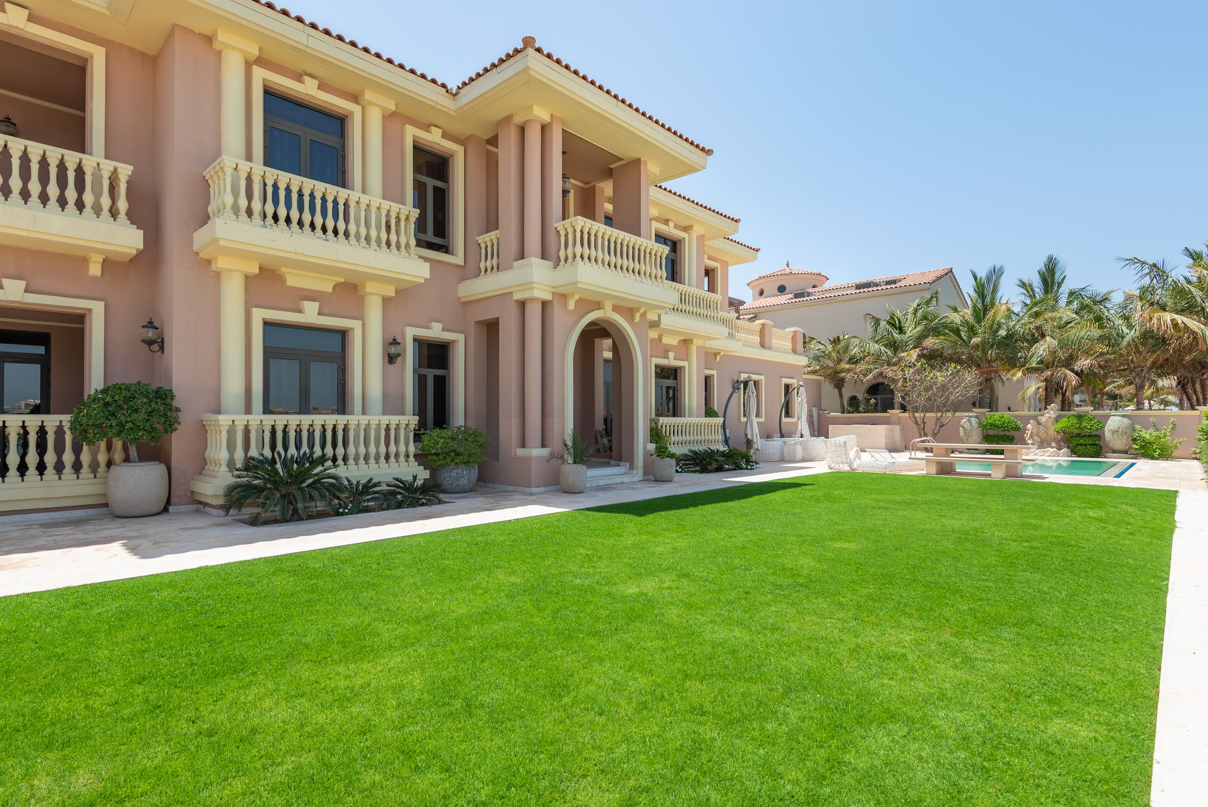 Upgraded High Number | Signature Villa | 6 Bed