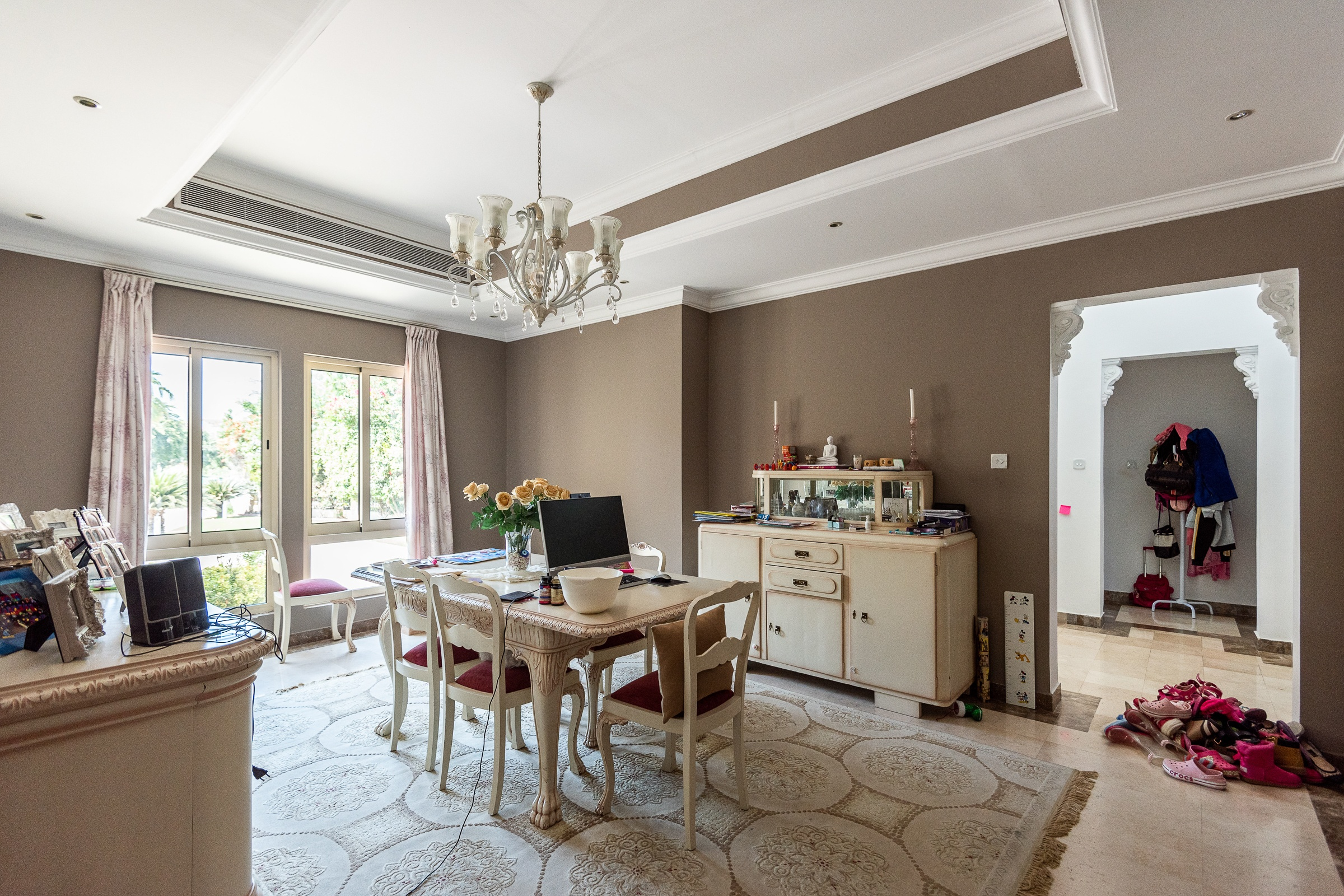 Exquisite Four Bed Family Villa Near Clubhouse