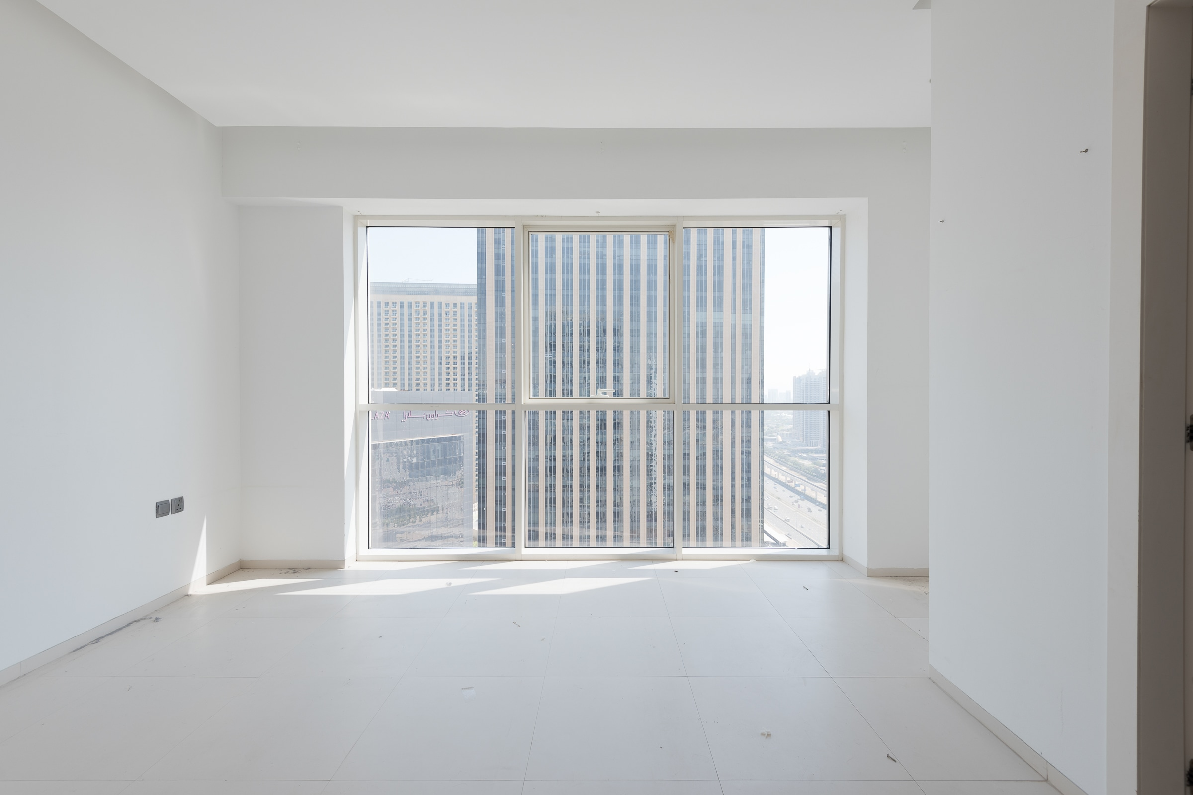 Modern Two Bedroom in West Avenue   Marina Vie