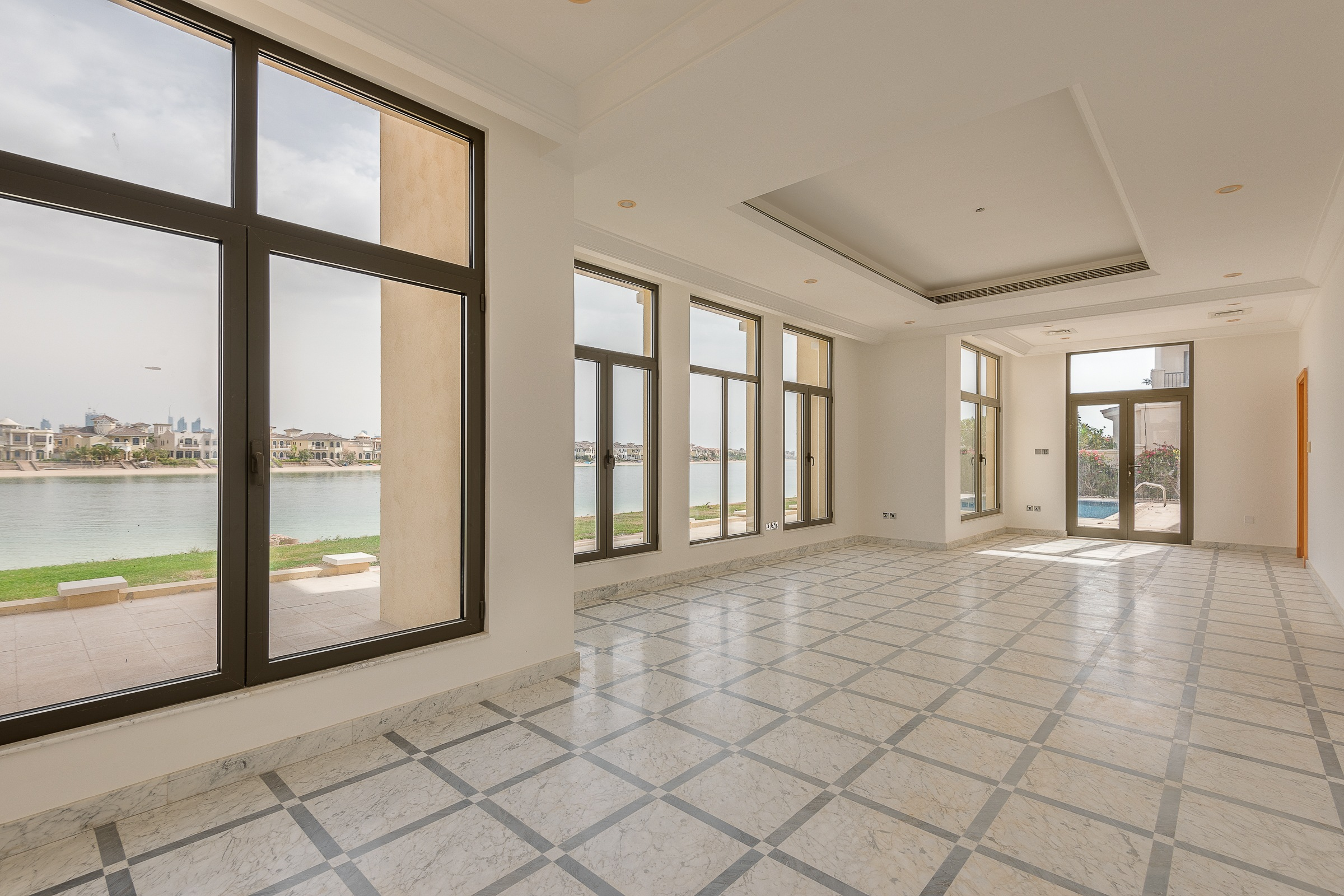 Central Gallery | 5 Bedroom | Atlantis View