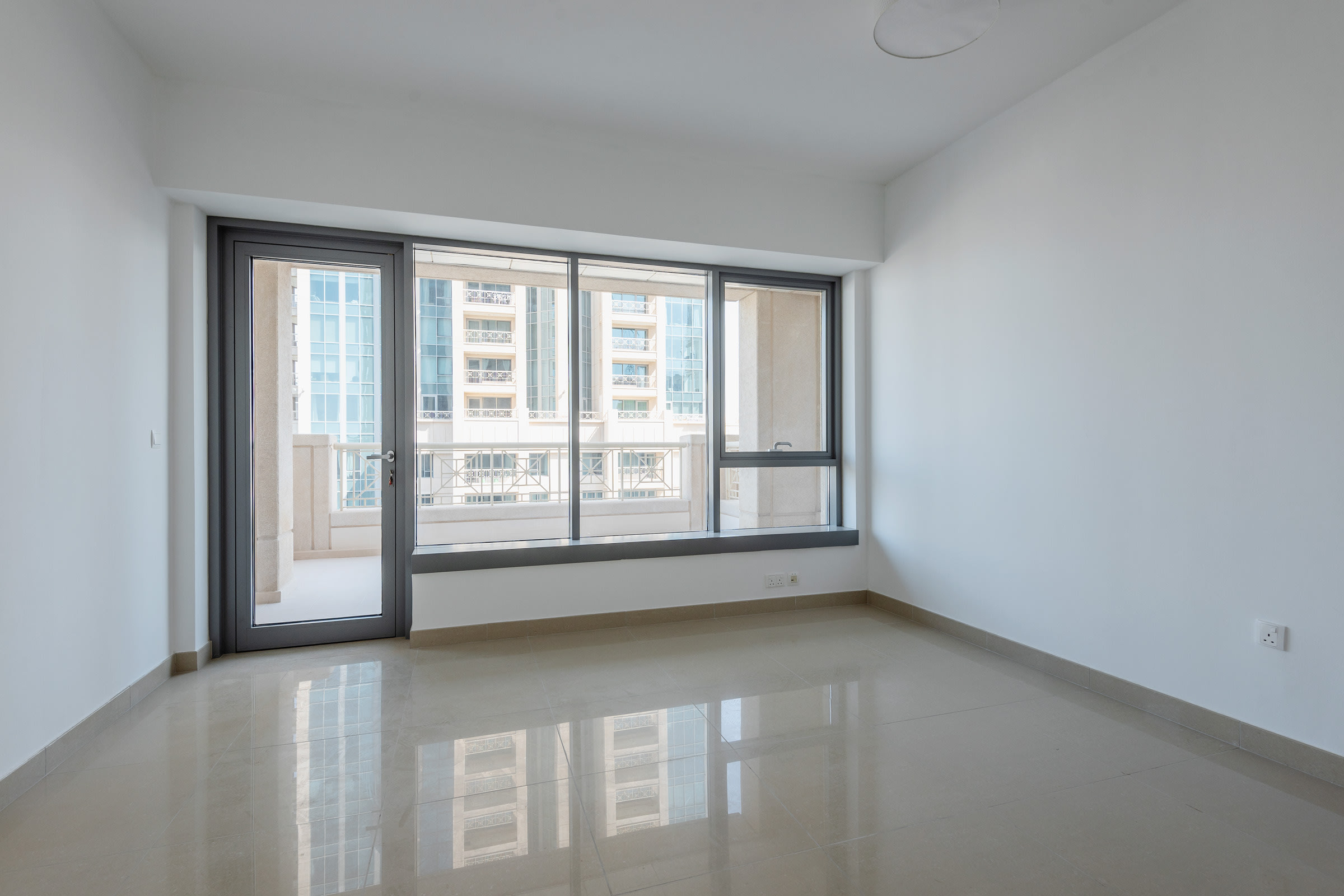 Big Terrace 1 bedroom with Fountain view