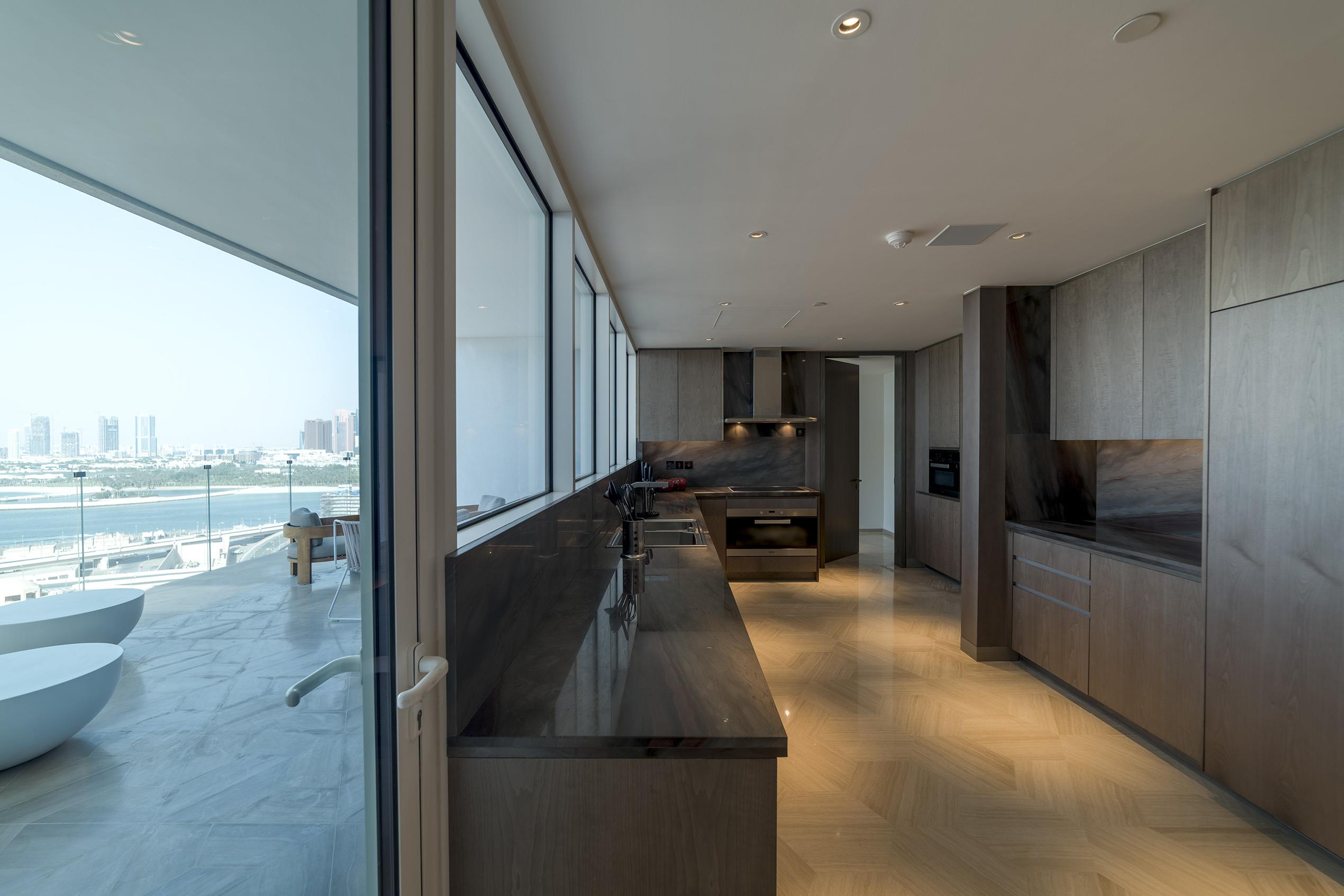 Contemporary 4 Bedroom Beach Penthouse Palm