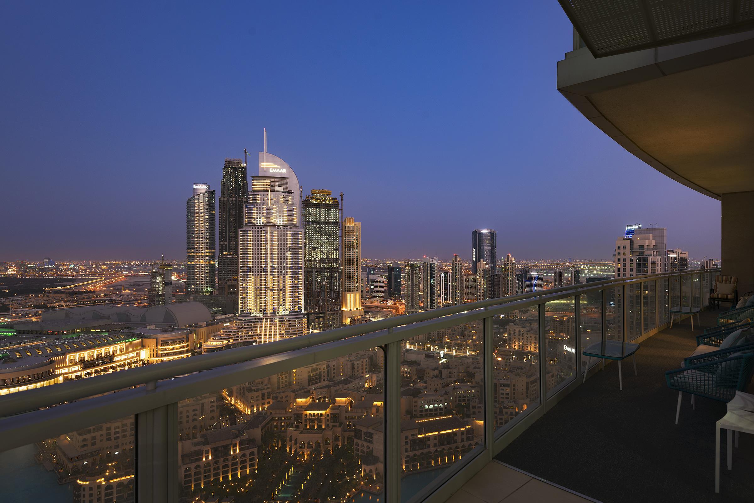 Luxury Penthouse Overlooking BurjKhalifa