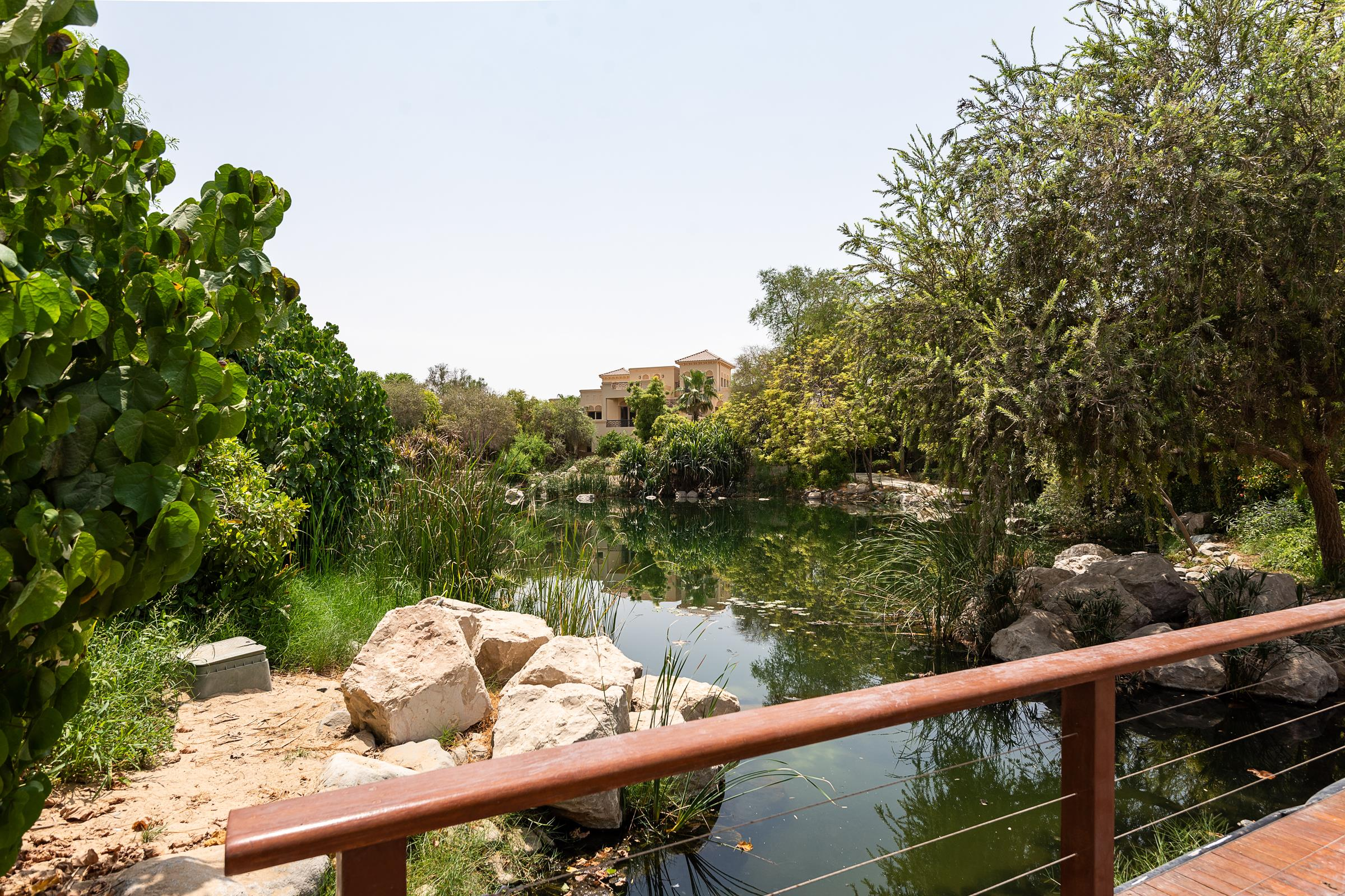 Very well Priced Bromelia with Lake view