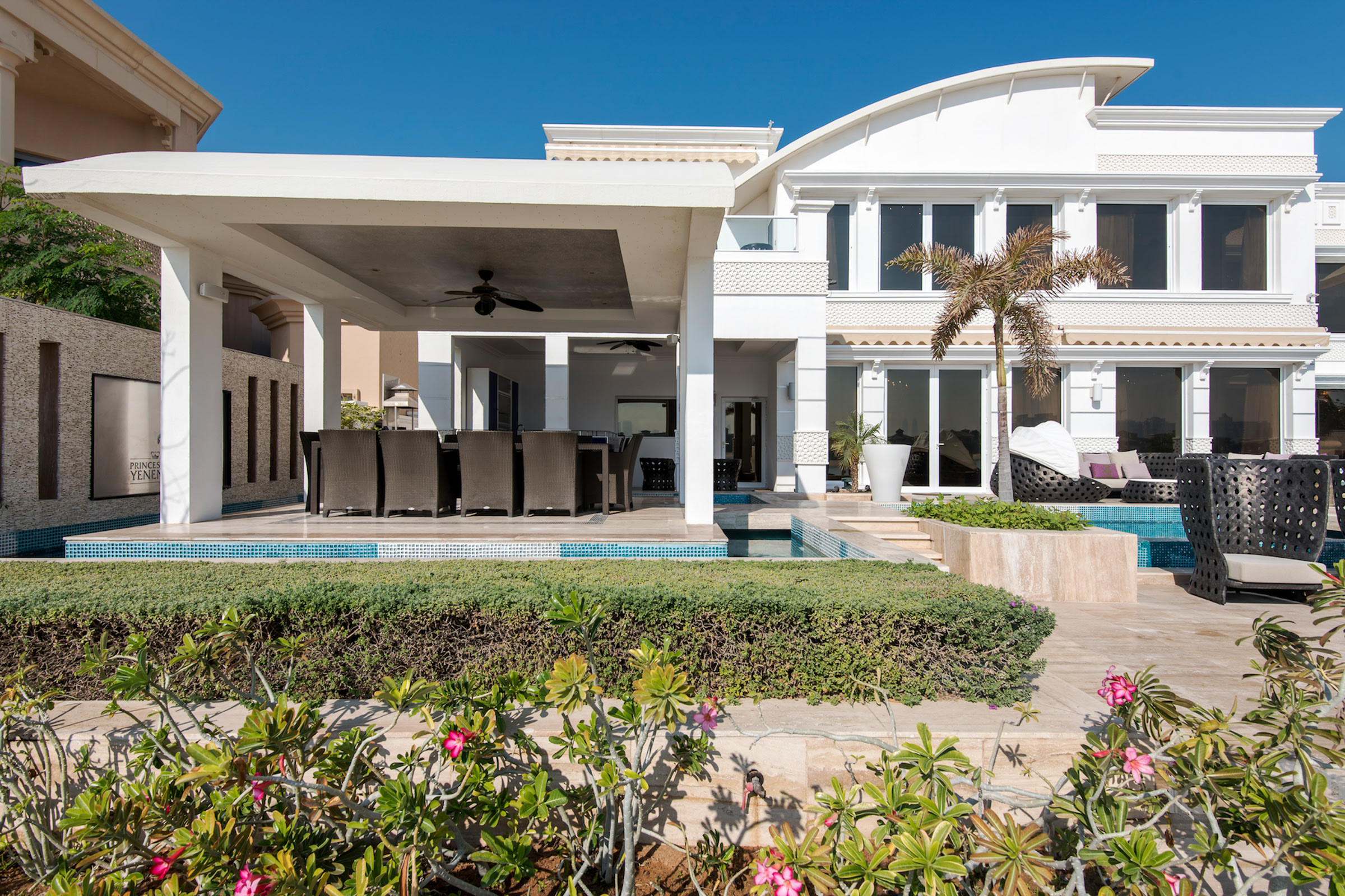 Fully Upgraded Palm Jumeirah Villa
