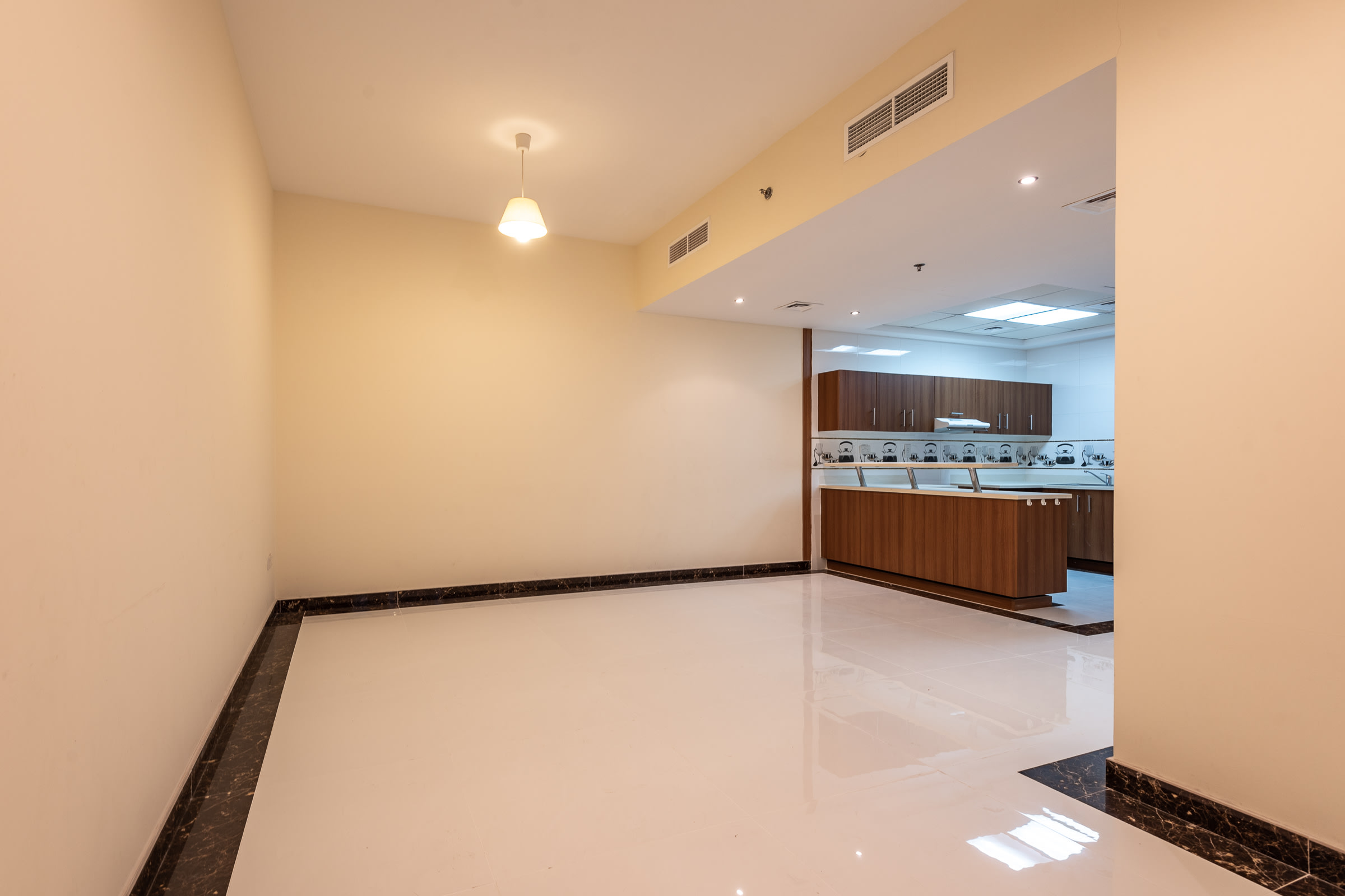 Vacant Unit on a High Floor with Upgrade