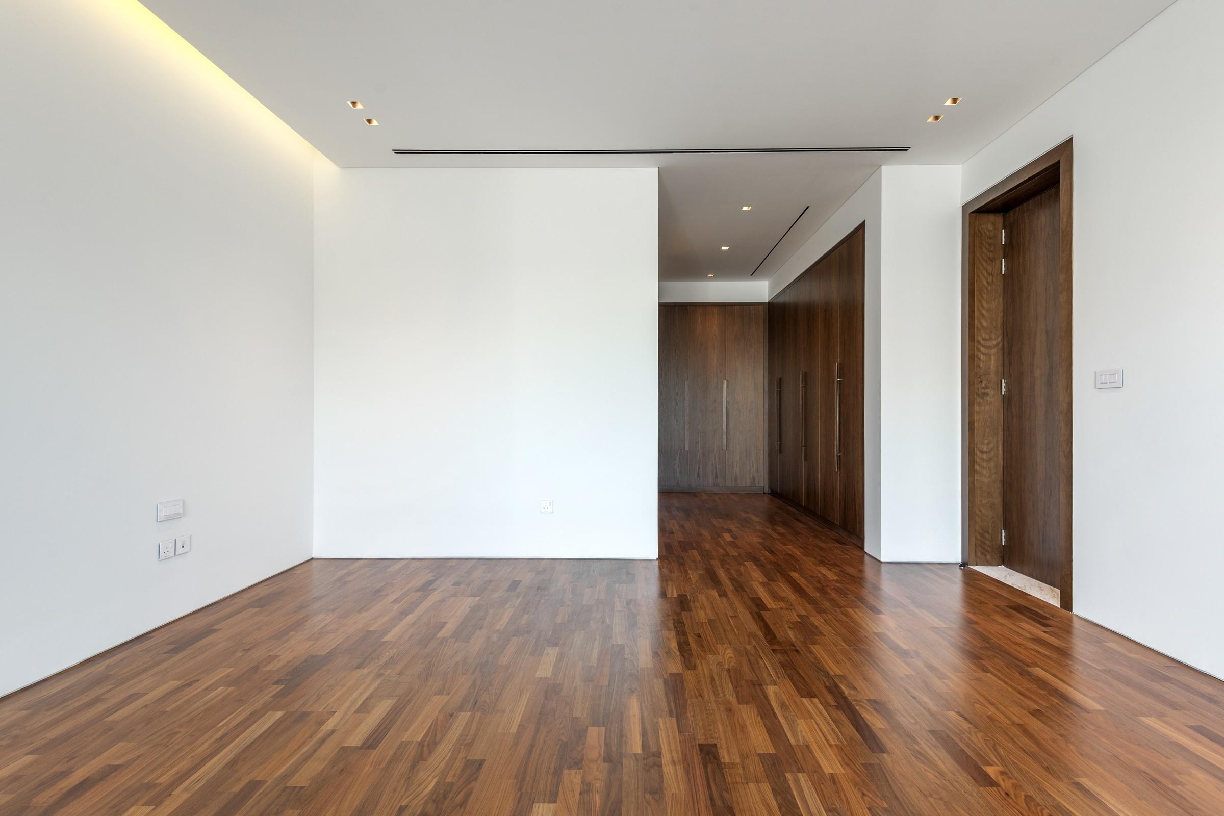 Brand New | Vacant 5/6 Bedroom | Luxury Villa