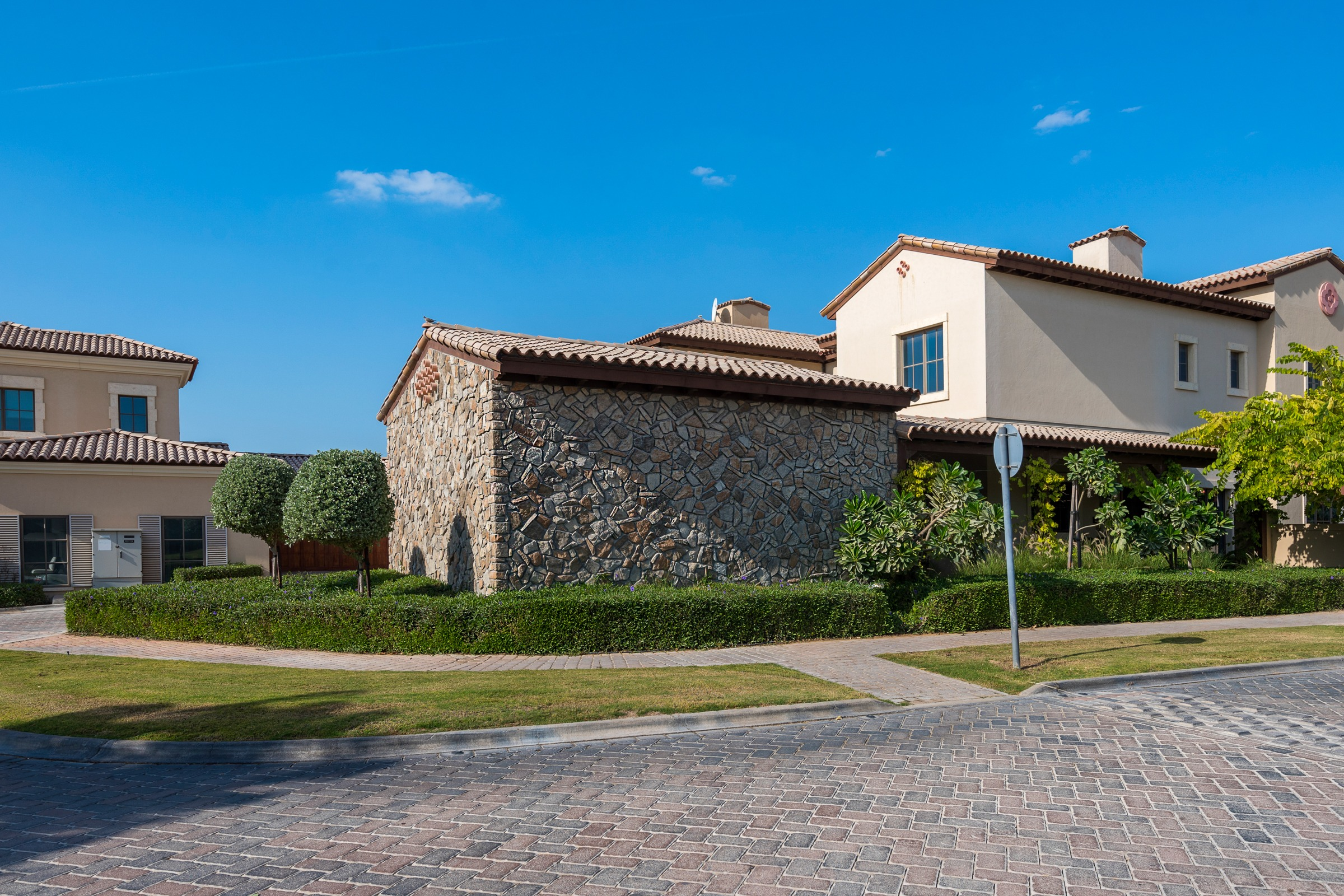 Four Bed Room Villa with Extended Garden