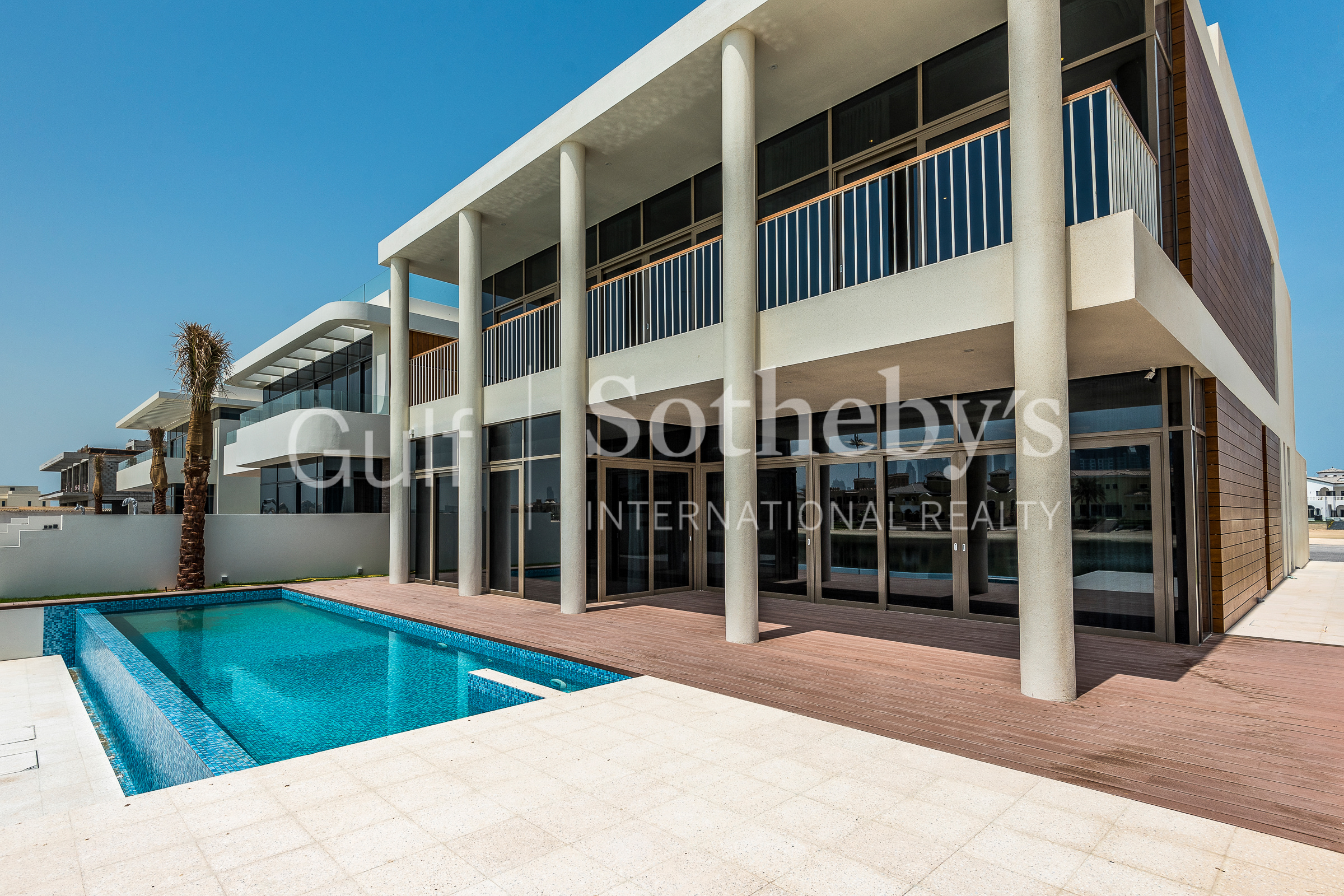 Brand New Villa  Art Decor  Custom Built