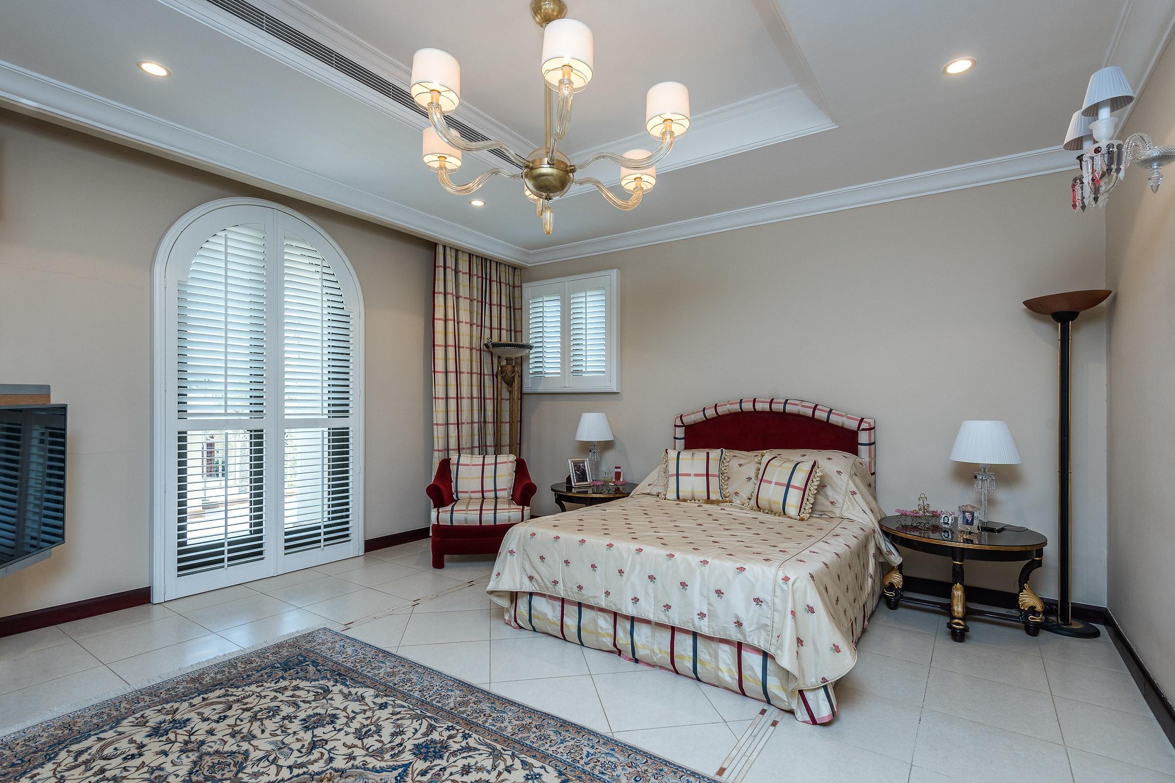 Upgraded Atrium Entry Five Bedroom Villa