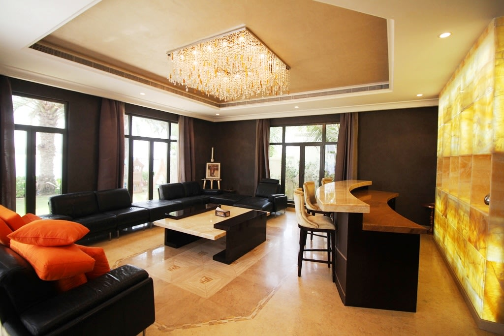 Fully Furnished 6 Bedroom Gallery Views