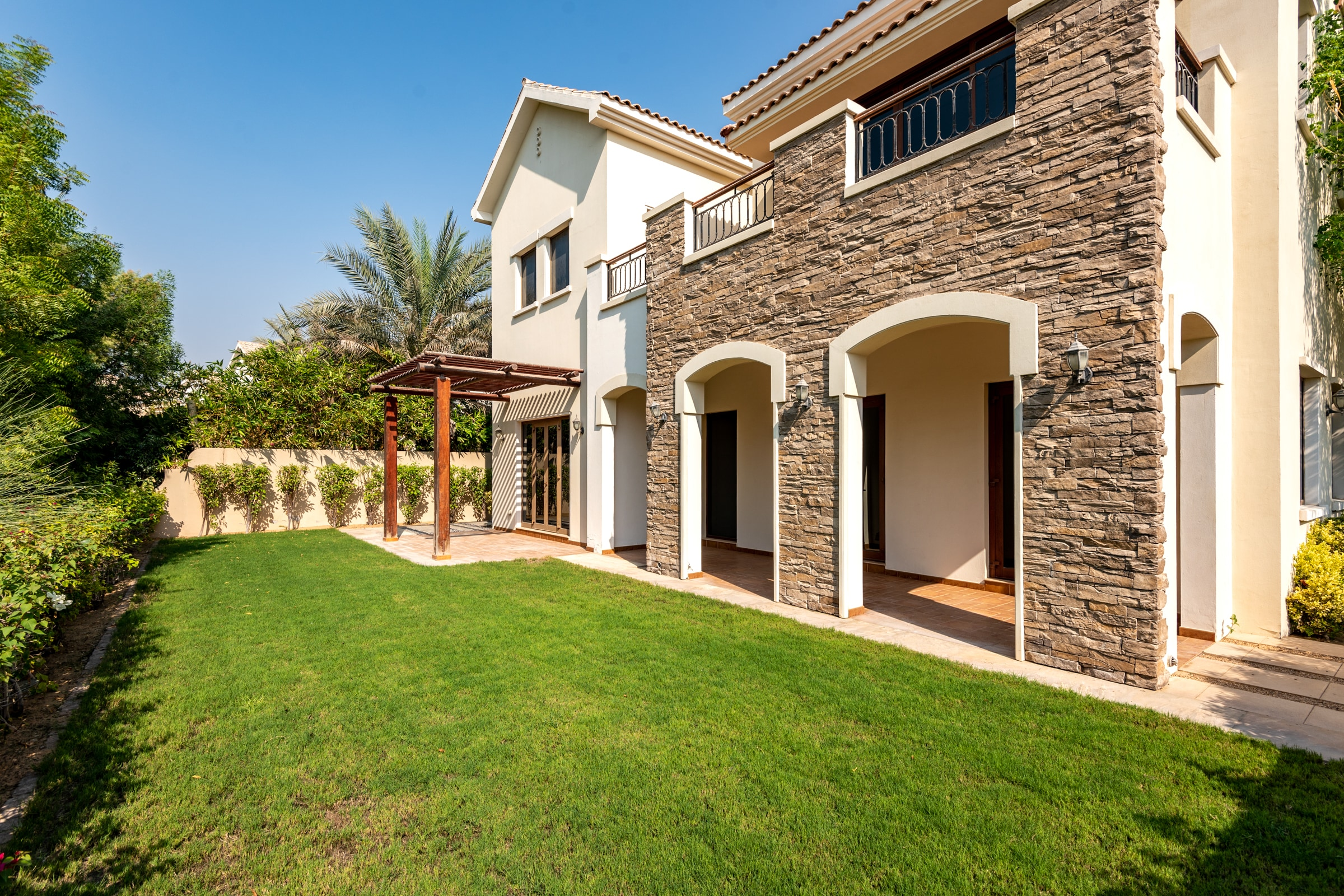 5 Bed Plus Study | Golf View Landscaped