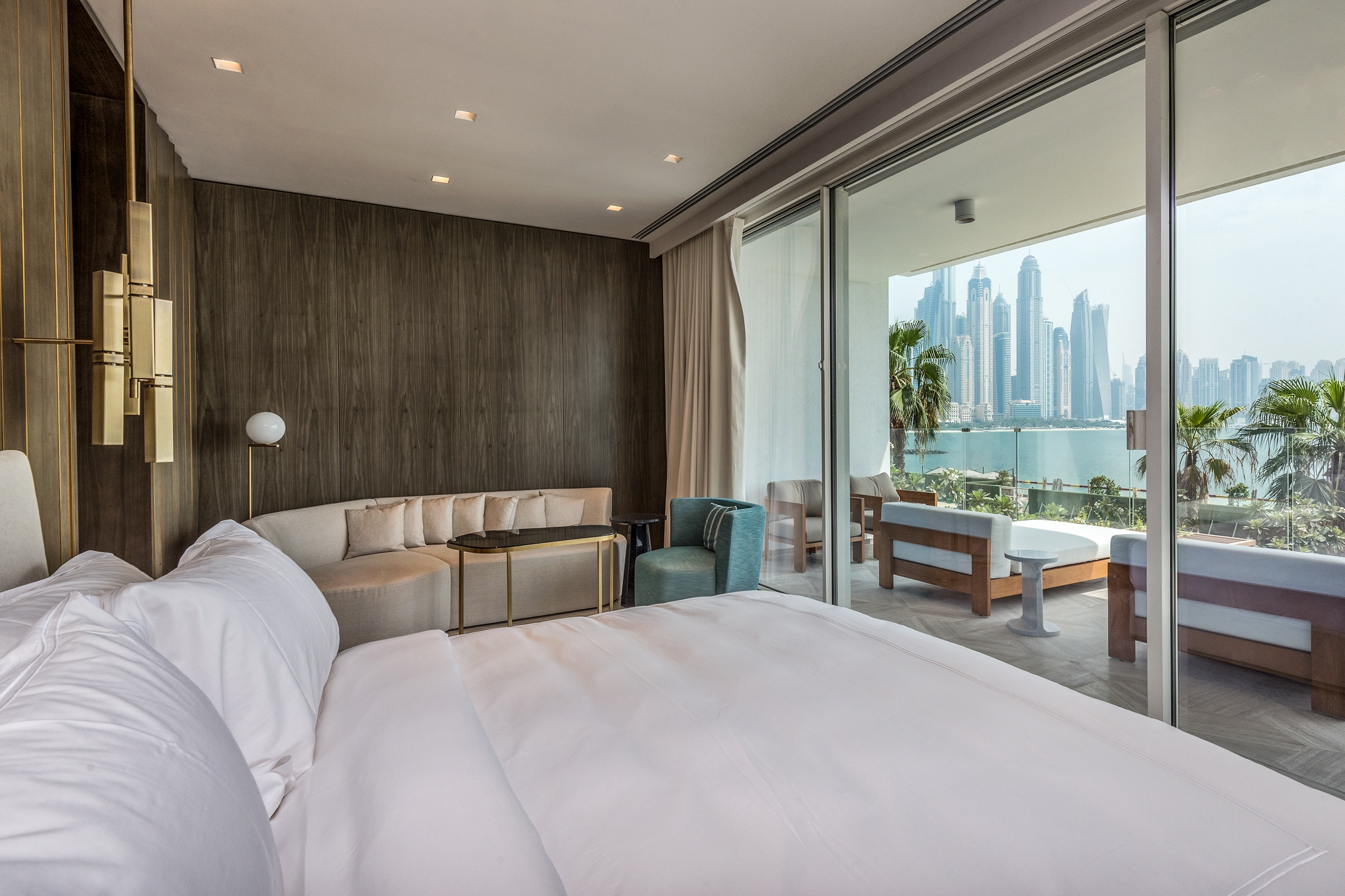 Grand Luxury Villa | Beachfront | Living