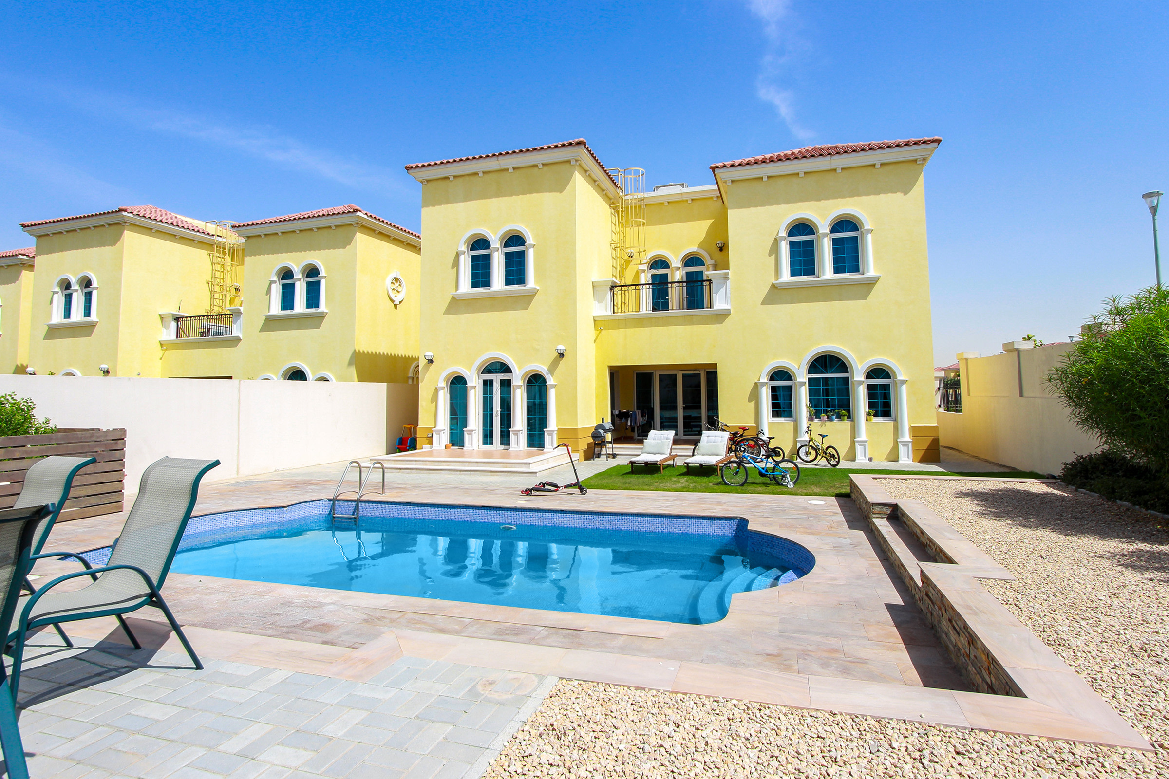 Immaculate 3 Bed | Corner Plot with Pool